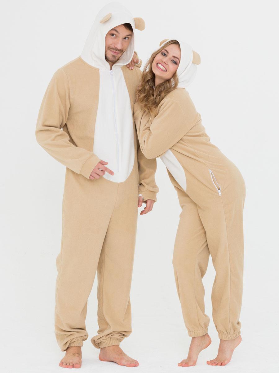 Пижама10402381Слитная пижама от Футужама выполнена из мягкого флиса. Модель на застежке-молнии. Капюшон дополнен ушками, боковые стороны - карманами на застежках-молниях. Манжеты оформлены прорезью для большого пальца, низ брючины - эластичной резинкой.