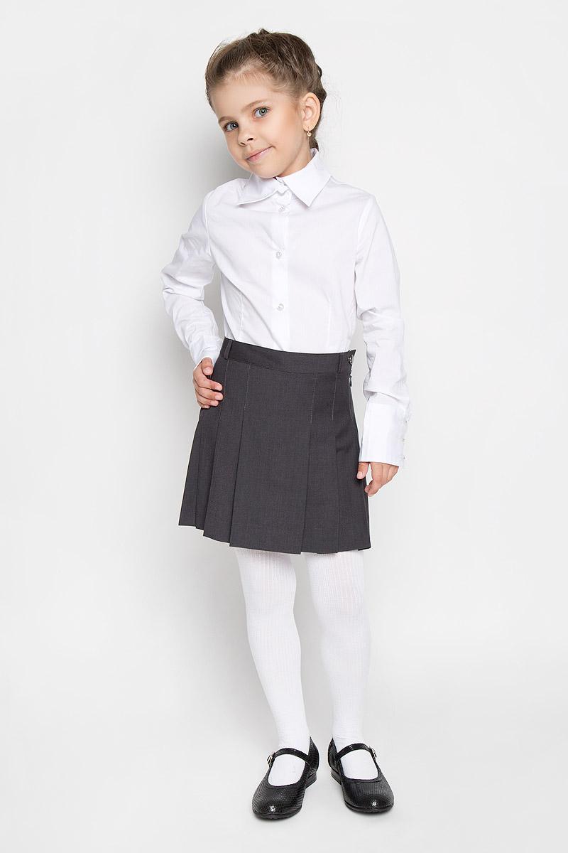 ЮбкаSS-B-G-1015-001Кокетливая юбка для девочки Silver Spoon идеально подойдет для школы. Изготовленная из высококачественного материала с добавлением вискозы, она необычайно мягкая и приятная на ощупь, не сковывает движения малышки и позволяет коже дышать, не раздражает даже самую нежную и чувствительную кожу ребенка, обеспечивая ему наибольший комфорт. На подкладке используется гладкая подкладочная ткань. Юбка сбоку застегивается на потайную застежку-молнию и оригинальную пуговицу. При необходимости пояс можно утянуть скрытой резинкой на пуговках. Имеются шлевки для ремня. Передняя планка дополнена широкими складками, что гармонично дополняет образ. В сочетании с любым верхом, эта юбка выглядит красиво, и очень эффектно.