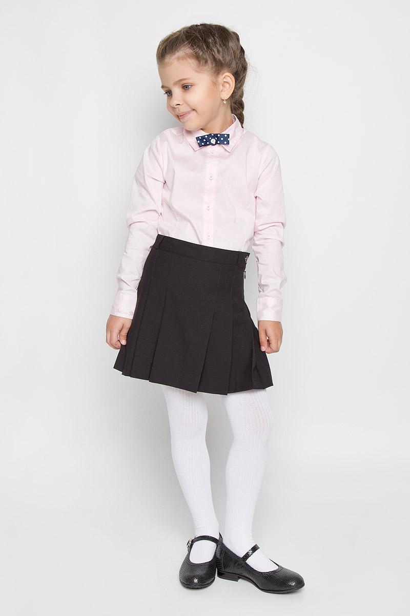 SS-B-G-1015_003Кокетливая юбка для девочки Silver Spoon идеально подойдет для школы. Изготовленная из высококачественного материала с добавлением вискозы, она необычайно мягкая и приятная на ощупь, не сковывает движения малышки и позволяет коже дышать, не раздражает даже самую нежную и чувствительную кожу ребенка, обеспечивая ему наибольший комфорт. На подкладке используется гладкая подкладочная ткань. Юбка сбоку застегивается на потайную застежку-молнию и оригинальную пуговицу. При необходимости пояс можно утянуть скрытой резинкой на пуговках. Имеются шлевки для ремня. Передняя планка дополнена широкими складками, что гармонично дополняет образ. В сочетании с любым верхом, эта юбка выглядит красиво, и очень эффектно.