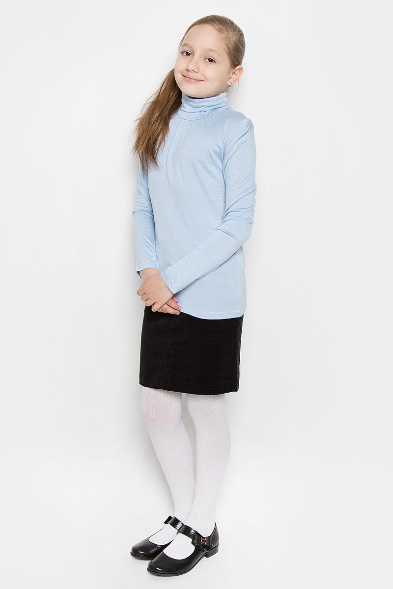 215BBGS1801Практичная водолазка для девочки Button Blue станет базовой моделью гардероба вашей модницы. Изготовленная из нежной вискозы с добавлением эластана, она необычайно мягкая и приятная на ощупь, обеспечивает свободу движений и комфорт, а также позволяет коже дышать, не раздражает даже самую нежную и чувствительную кожу ребенка. Водолазка с длинными рукавами дополнена воротником-гольф. Небольшие складочки в области горловины придают изделию элегантность. В ней ваш ребенок будет чувствовать себя уютно и комфортно!