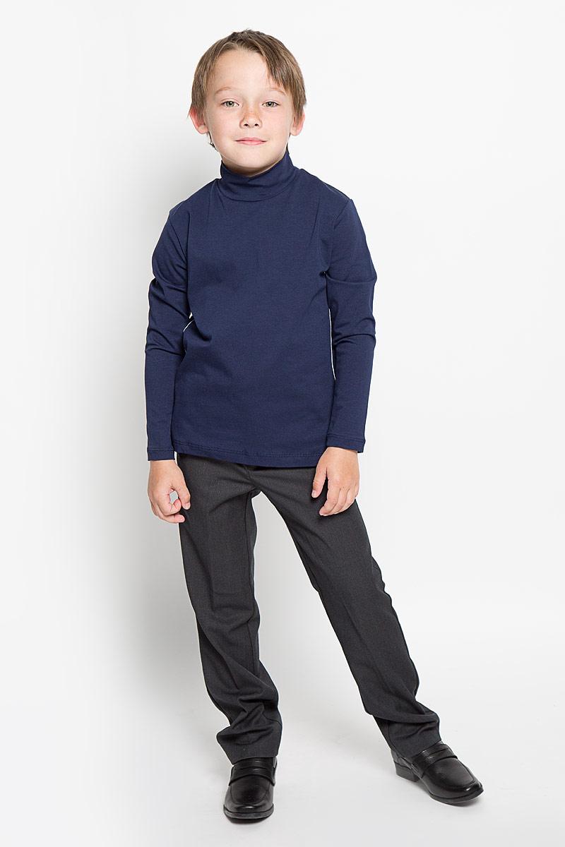 Водолазка для мальчика. AW15BS313AW15BS313A-1/AW15BS313B-1Практичная водолазка для мальчика Nota Bene идеально подойдет вашему ребенку, как для школы, так и для повседневной носки. Изготовленная из хлопка с добавлением эластана, она мягкая и приятная на ощупь, не сковывает движения и позволяет коже дышать, не раздражает даже самую нежную и чувствительную кожу ребенка, обеспечивая ему наибольший комфорт. Классическая однотонная модель с длинными рукавами дополнена воротником-стойкой и оформлена контрастной отстрочкой. В такой водолазке вашему юному мужчине будет удобно и комфортно.