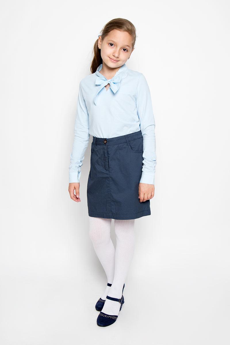 KB16-75037JСтильная юбка для девочки Finn Flare Kids идеально подойдет для школы. Изготовленная из натурального хлопка, она необычайно мягкая и приятная на ощупь, не сковывает движения малышки и позволяет коже дышать, не раздражает даже самую нежную и чувствительную кожу ребенка, обеспечивая ему наибольший комфорт. Юбка застегивается на пуговицу в поясе и ширинку на застежке-молнии. Имеются шлевки для ремня. При необходимости в поясе ее можно утянуть скрытой резинкой на пуговках. Спереди модель дополнена двумя прорезными карманами, сзади двумя накладными карманами на пуговицах. В сочетании с любым верхом, юбка выглядит строго, красиво, достойно. Оригинальный современный дизайн делает эту юбку модным и стильным предметом детского гардероба. В ней ваша маленькая леди всегда будет в центре внимания!