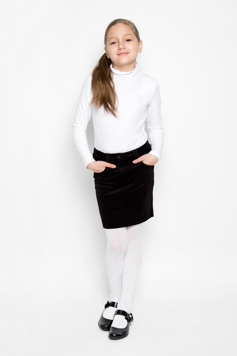Водолазка для девочки. 36406364061Водолазка для девочки Scool идеально дополнит образ юной модницы. Модель выполнена из эластичного хлопка, мягкая и приятная на ощупь. Водолазка не сковывает движения и позволяет коже дышать, не раздражает нежную и чувствительную кожу ребенка, обеспечивая комфорт. Водолазка с длинными рукавами и воротником-гольф украшена вышитым сердечком на груди. Лаконичный дизайн и высокое качество исполнения принесут удовольствие от покупки и подарят отличное настроение!