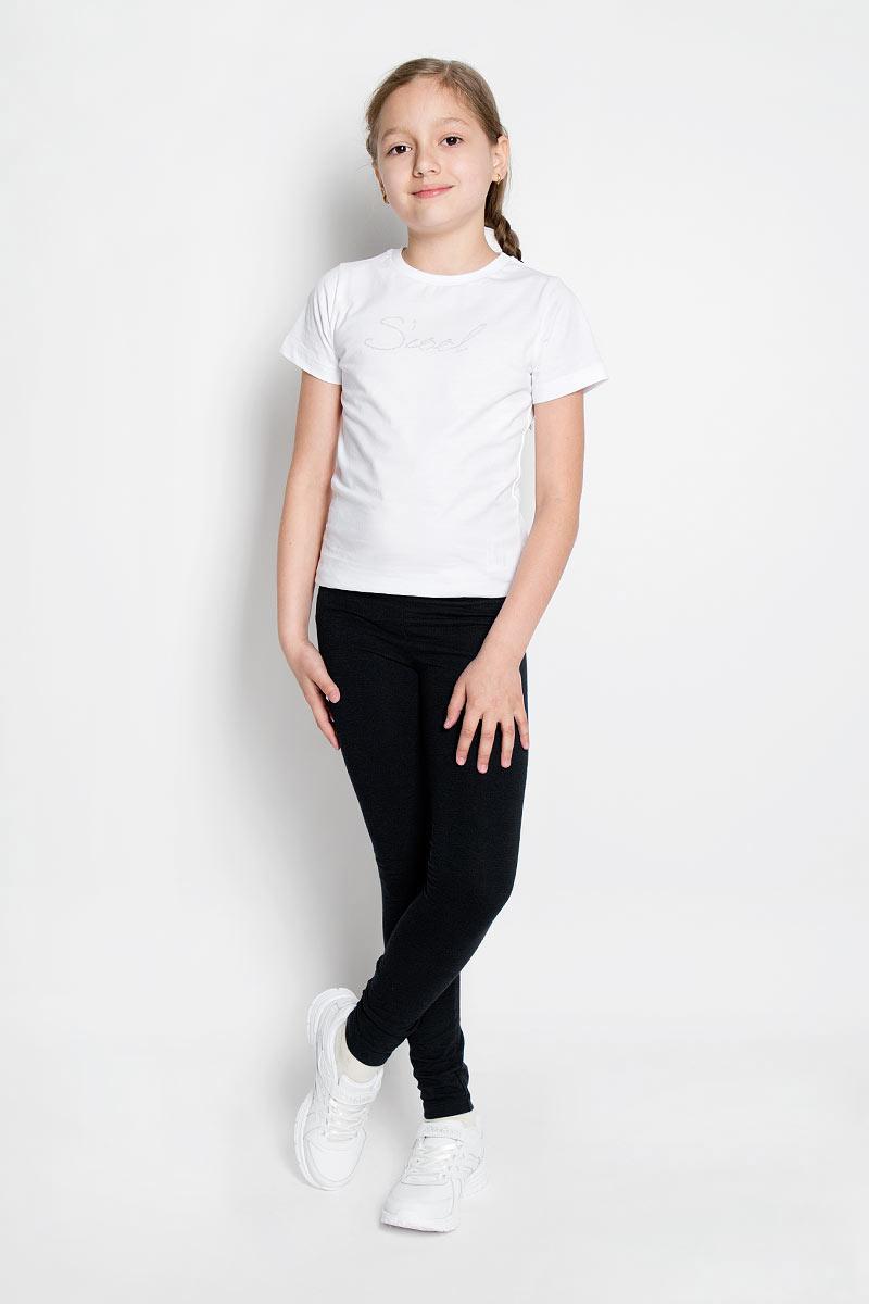 Леггинсы для девочки. 36408364086Леггинсы для девочки Scool станут отличным дополнением к детскому гардеробу. Изготовленные из эластичного материала, они мягкие и приятные на ощупь, не сковывают движения и позволяют коже дышать, не раздражают нежную кожу ребенка, обеспечивая наибольший комфорт. Модель на талии имеет широкую эластичную резинку, благодаря чему не сдавливает живот ребенка и не сползает. Такие леггинсы прекрасно подойдут как для повседневной носки, так и для занятий физкультурой, спортом, гимнастикой и танцами.
