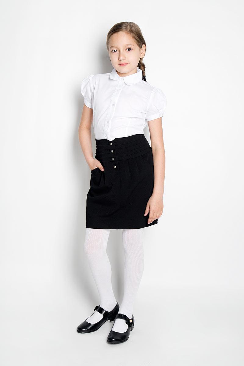 ЮбкаSSG-58955_182Классическая юбка для девочки Silver Spoon идеально подойдет для школы. Изготовленная из высококачественного материала с добавлением вискозы, она необычайно мягкая и приятная на ощупь, не сковывает движения и позволяет коже дышать, не раздражает даже самую нежную и чувствительную кожу ребенка, обеспечивая ему наибольший комфорт. На подкладке используется гладкая подкладочная ткань. Юбка, оформленная на талии горизонтальными крупными складками, застегивается спереди на оригинальные металлические пуговицы. На талии по спинке имеется широкая эластичная вставка. От линии талии заложены складки, гармонично дополняющие образ. Спереди предусмотрены два втачных кармана со скошенными краями. В сочетании с любым верхом, эта юбка выглядит строго, красиво, и очень эффектно.
