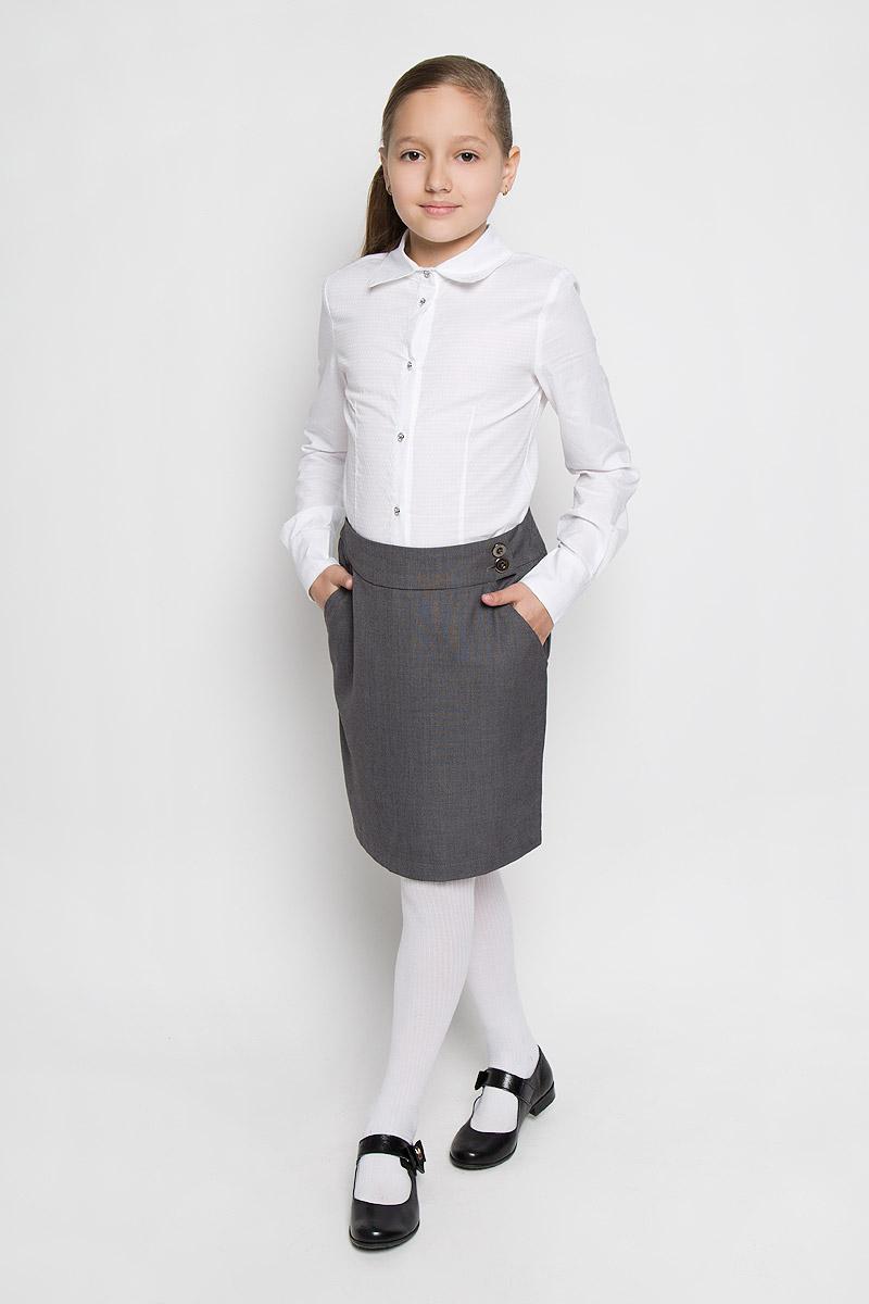 Блузка для девочки. AW15GS150AW15GS150B-1/AW15GS150A-1Блузка для девочки Nota Bene, выполненная из натурального хлопка, станет отличным дополнением к школьному гардеробу. Изделие не сковывает движения и хорошо пропускает воздух, обеспечивая наибольший комфорт. Блузка с отложным воротником и длинными рукавами застегивается на пуговицы по всей длине. На рукавах предусмотрены манжеты с застежками-пуговицами. Пуговицы дополнены красивыми вставками со стразами. На воротнике модель украшена вышивкой в виде стрекозы. Блузка отлично сочетается с юбками и брюками. В ней вашей принцессе всегда будет уютно и комфортно!