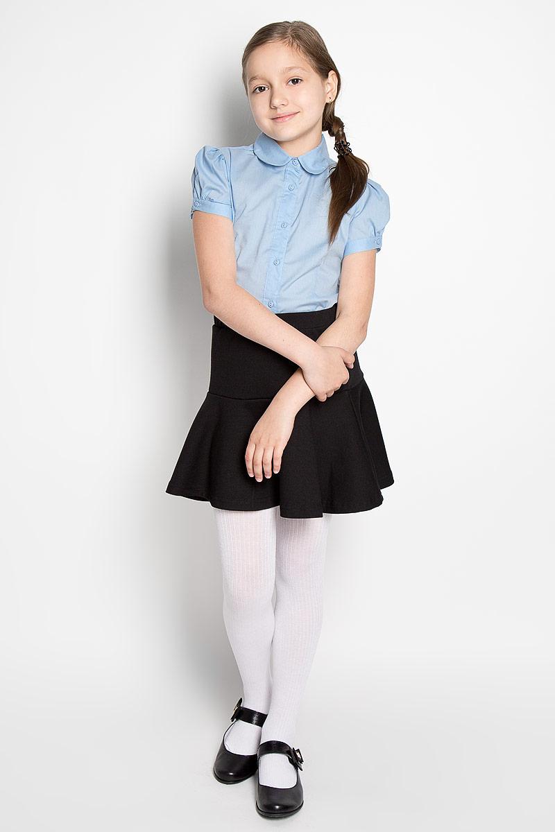 Блузка364048Классическая блузка для девочки Scool изготовлена из хлопка с добавлением полиэстера. Изделие не сковывает движения и хорошо пропускает воздух, обеспечивая наибольший комфорт. Блузка с отложным воротником и короткими рукавами-фонариками застегивается на пуговицы по всей длине. На рукавах предусмотрены застежки-пуговицы. Блузка отлично дополнит школьный образ ребенка, а лаконичный дизайн и расцветка подчеркнут индивидуальность.