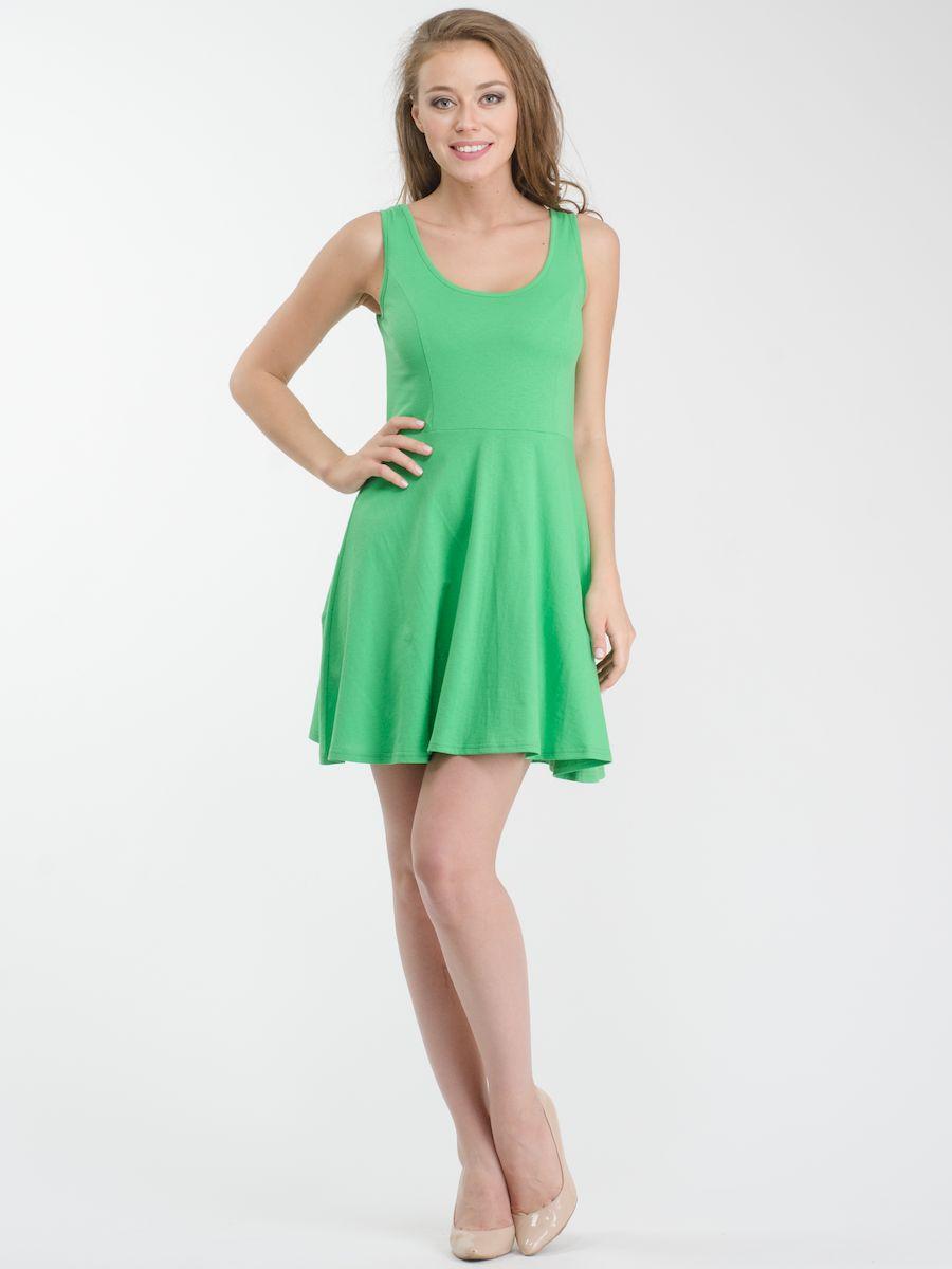 R021636Стильное платье мини-длины выполнено из натурального хлопка. Модель А-силуэта с круглым вырезом горловины и без рукавов.