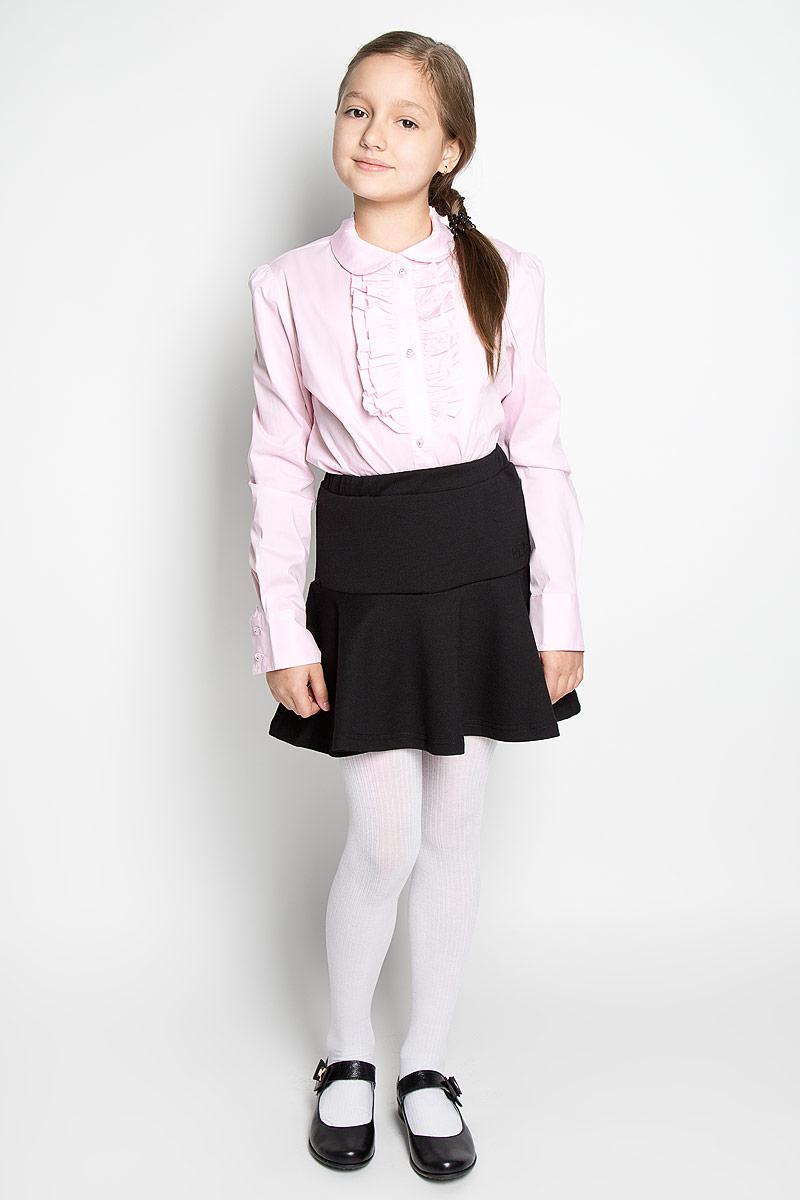 SS-B-G-1403-044Элегантная блузка для девочки Silver Spoon идеально подойдет для школьной формы. Изготовленная из высококачественного материала, она мягкая, легкая и приятная на ощупь, не сковывает движения и позволяет коже дышать, не раздражает даже самую нежную и чувствительную кожу ребенка, обеспечивая наибольший комфорт. Блузка прямого кроя с длинными рукавами, полукруглым низом и отложным воротничком застегивается по всей длине на оригинальные пуговицы со стразами. Длинные рукава дополнены широкими манжетами на пуговицах. На груди планка оформлена нежными рюшами. Такая блузка - незаменимая вещь для школьной формы, отлично сочетается с юбками, брюками и сарафанами. Эта модель всегда выглядит великолепно!