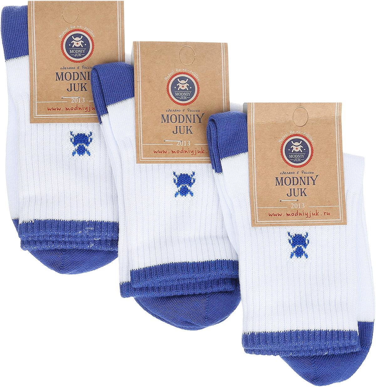 Носки для мальчика Sport, 3 пары. Socks 5Socks 5Носки для мальчика Modniy Juk Sport, изготовленные из высококачественного материала, идеально подойдут маленькому непоседе. Мягкая и широкая резинка плотно облегает ножку, не сдавливая ее, благодаря чему ребенку будет комфортно и удобно. Усиленные пятка и мысок обеспечивают надежность и долговечность. В комплект входят три пары носочков, которые оформлены изображением жучка и принтовой надписью на английском языке.
