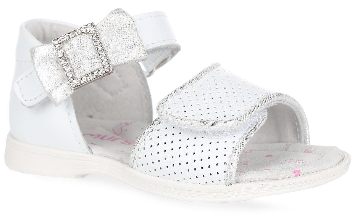 Босоножки для девочки. 10043100431Очаровательные босоножки от Mursu придутся по душе вашей маленькой моднице и идеально подойдут для повседневной носки в летнюю погоду! Модель с закрытой пяткой изготовлена из натуральной кожи. Ремешки с застежками-липучками надежно зафиксируют обувь на ножке ребенка. Нижний ремешок оформлен перфорацией и окантовкой с блестящей поверхностью, верхний - милым бантиком с блестящей поверхностью, украшенным металлической пряжкой со стразами. Внутренняя поверхность и стелька, изготовленные из натуральной кожи, предотвратят натирание. Стелька дополнена супинатором, который обеспечивает правильное положение ноги ребенка при ходьбе и предотвращает плоскостопие. Максимально комфортная подошва обеспечивает отличное сцепление с поверхностью. Стильные босоножки - незаменимая вещь в гардеробе каждой девочки!