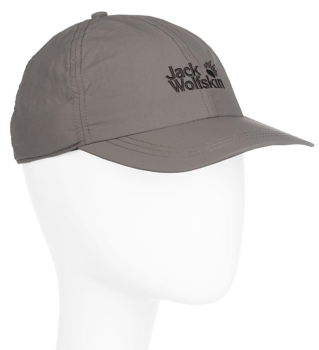Бейсболка1901391-5017Легкая кепка-легионерка Jack Wolfskin Supplex Protector Cap выполнена из полиамида, сетчатая подкладка - из полиэстера. Кепка-легионерка - это гибрид кепки с козырьком и легкого шарфа, который полностью защищает шею и уши от солнечных ожогов. А еще она является прекрасной защитой от комаров и мошек. При желании, можно закатать или убрать внутрь пристегиваемый на липучки защитный элемент и получить привычный головной убор - кепку с козырьком. Изделие сзади регулируется по голове при помощи эластичной резинки со стоппером. Оформлена модель вышитым логотипом бренда. Такая бейсболка послужит отличным и необходимым аксессуаром во время активного отдыха и прогулок на свежем воздухе. Уважаемые клиенты! Размер, доступный для заказа, является обхватом головы.