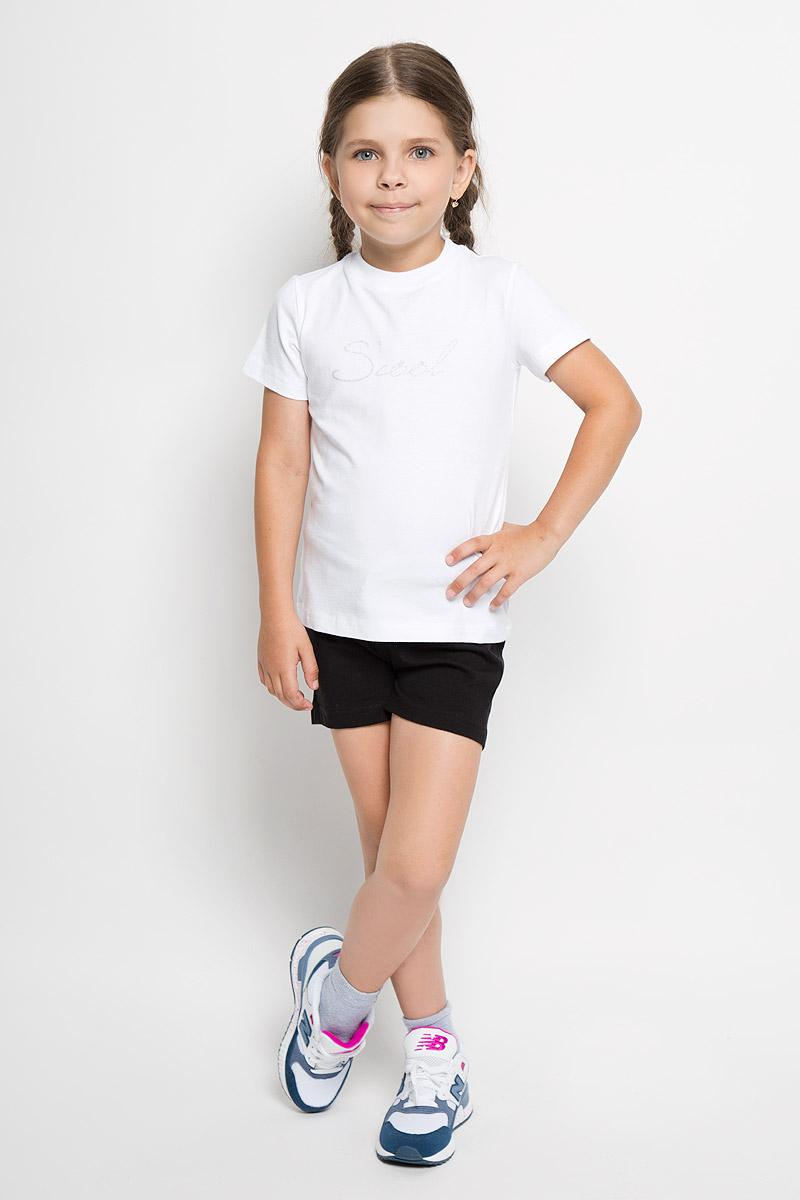 Комплект одежды364083Комплект одежды для девочки Scool состоит из футболки и шорт. Комплект выполнен из хлопка с добавлением эластана, необычайно мягкий, очень приятный к телу, не сковывает движения, хорошо пропускает воздух. Футболка с круглым вырезом горловины и короткими рукавами оформлена надписью Scool, украшенной блестящим напылением. Вырез горловины дополнен трикотажной эластичной резинкой. Шорты на талии имеют пояс на резинке, дополненный шнурком-кулиской. В таком комплекте ваш ребенок будет чувствовать себя комфортно и уютно во время отдыха или занятий спортом!