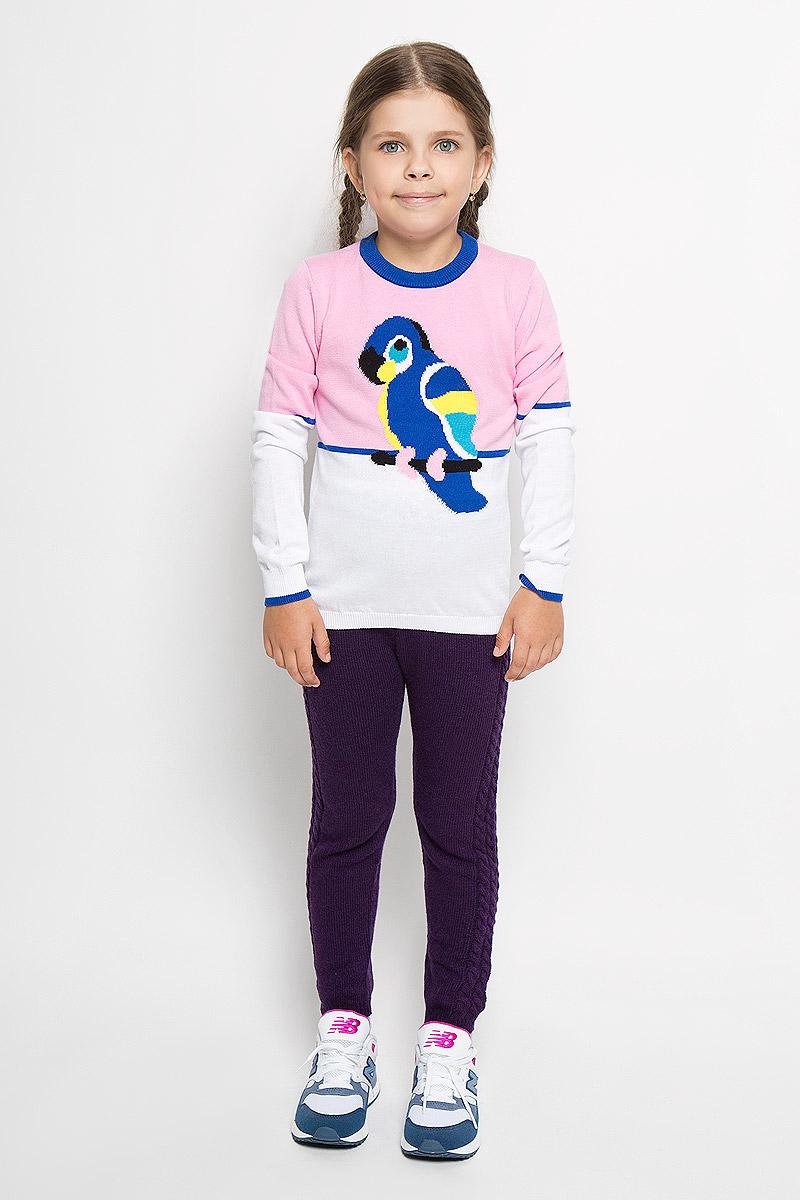 WK5403-5Яркий вязаный джемпер для девочки Nota Bene идеально подойдет вашей маленькой моднице. Изготовленный из мягкой пряжи, он необычайно мягкий и приятный на ощупь, не сковывает движения ребенка, обеспечивая ему наибольший комфорт. Джемпер с длинными рукавами и круглым воротником оформлен изображением попугая. Воротник, низ рукавов и низ изделия связаны мелкой резинкой, что предотвращает деформацию при носке. Современный дизайн и расцветка делают этот джемпер незаменимым предметом детского гардероба. В нем вашей маленькой принцессе будет уютно и тепло, и она всегда будет в центре внимания!