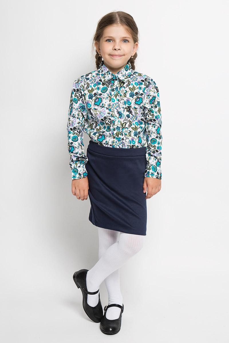 БлузкаNR5422-77/NR5522-77Блузка для девочки Nota Bene, выполненная из натурального хлопка, станет отличным дополнением к детскому гардеробу. Изделие не сковывает движения и хорошо пропускает воздух, обеспечивая наибольший комфорт. Блузка с закругленным низом, отложным воротником и длинными рукавами застегивается по всей длине на пластиковые пуговицы. Рукава дополнены неширокими манжетами на пуговицах, объем которых регулируется за счет дополнительной пуговицы. Блузка оформлена оригинальным цветочным принтом. Блузка отлично сочетается с юбками и брюками. В этой модели ваша дочка будет выглядеть великолепно.