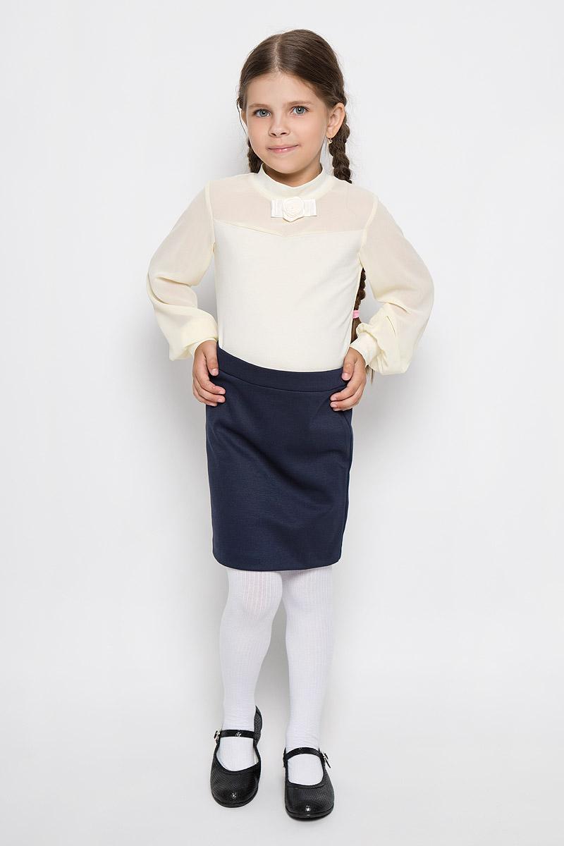 БлузкаCJR26007A-1/CJR26007B-1Стильная блузка для девочки Nota Bene, выполненная из мягкого эластичного хлопка, станет отличным дополнением к детскому гардеробу. Благодаря составу, изделие тактильно приятное, не сковывает движений, позволяет коже дышать. Блузка с длинными рукавами и воротником-стойкой оформлена бантиком с розой, изготовленными из атласных ленточек. Рукава и вставка на груди выполнены из полупрозрачного материала. Присборенные понизу рукава дополнены эластичными манжетами. Блузка отлично сочетается с юбками и брюками. В ней вашей принцессе всегда будет уютно и комфортно!