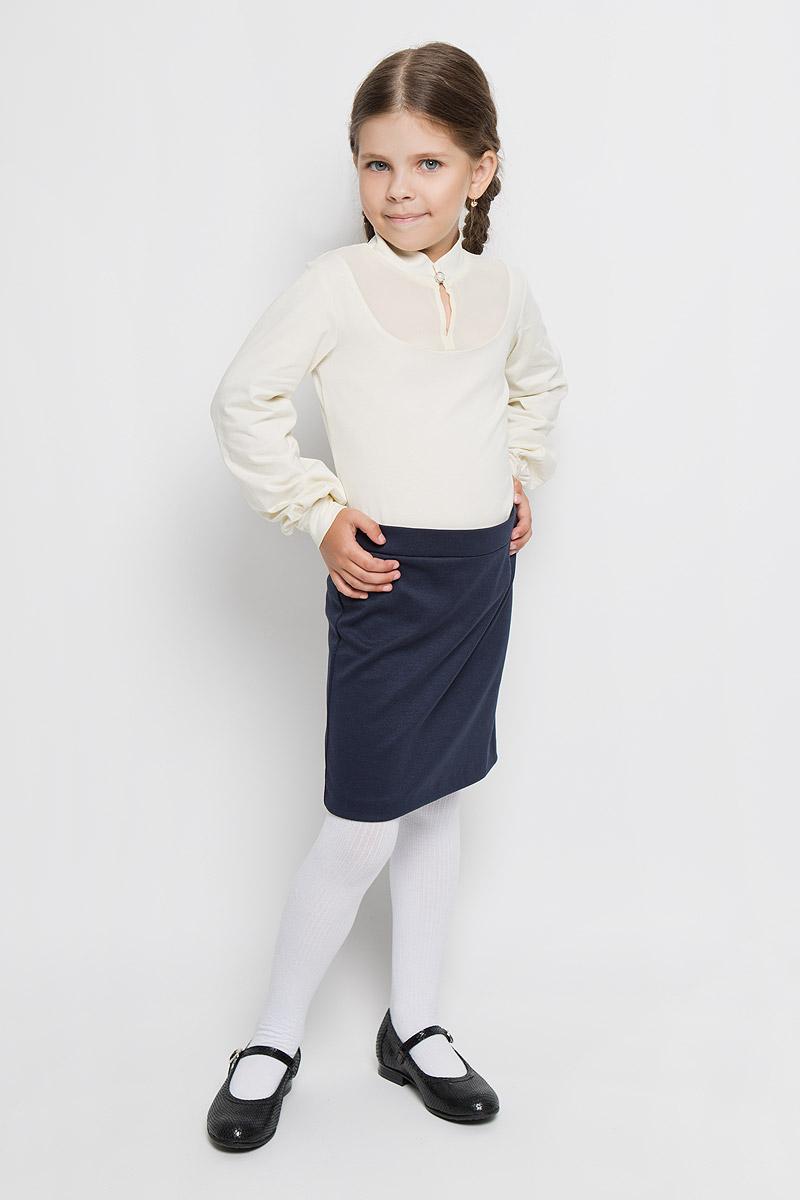 CJR26005A-1/CJR26005B-1Стильная блузка для девочки Nota Bene, выполненная из мягкого эластичного хлопка, станет отличным дополнением к детскому гардеробу. Благодаря составу, изделие тактильно приятное, не сковывает движений, позволяет коже дышать. Блузка с длинными рукавами и воротником-стойкой оформлена вставкой на груди из полупрозрачной ткани. Воротник застегивается на пластиковую пуговицу. Присборенные понизу рукава дополнены эластичными манжетами. Блузка отлично сочетается с юбками и брюками. В ней вашей принцессе всегда будет уютно и комфортно!