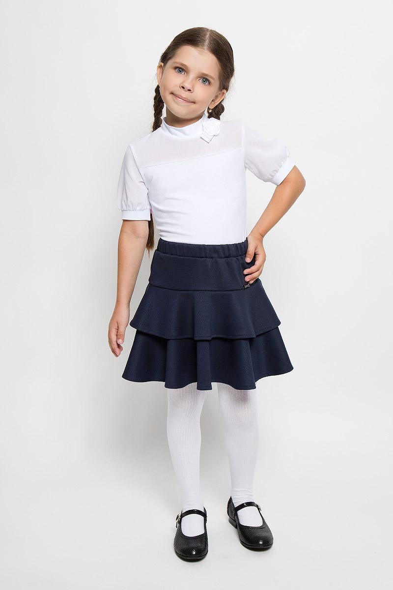 CJA26004B-29/CJA26004A-29Стильная юбка для девочки Nota Bene идеально подойдет как для школы, так и для повседневной носки. Изготовленная из высококачественного материала, она необычайно мягкая и приятная на ощупь, не сковывает движения малышки и позволяет коже дышать, не раздражает нежную кожу ребенка, обеспечивая ему наибольший комфорт. Стильная юбочка имеет эластичный пояс, благодаря чему она не сползает и не сдавливает животик ребенка. Дополнена юбка широкой оборкой, придающей ей воздушность. Модель оформлена крупным камнем прямоугольной формы. В такой юбочке ваша маленькая принцесса будет чувствовать себя комфортно, уютно и всегда будет в центре внимания!
