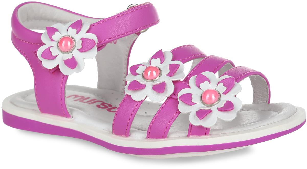 Сандалии для девочки. 100130100130Прелестные сандалии от Mursu очаруют вашу девочку с первого взгляда. Модель, изготовленная из искусственной кожи, оформлена декоративными цветками. Ремешок с застежкой-липучкой обеспечивает надежную фиксацию модели на ноге. Внутренняя поверхность и стелька из натуральной кожи комфортны при движении. Стелька дополнена супинатором, который обеспечивает правильное положение стопы ребенка при ходьбе и предотвращает плоскостопие. Подошва с рифлением обеспечивает сцепление с любой поверхностью. Стильные сандалии - незаменимая вещь в гардеробе каждой девочки!