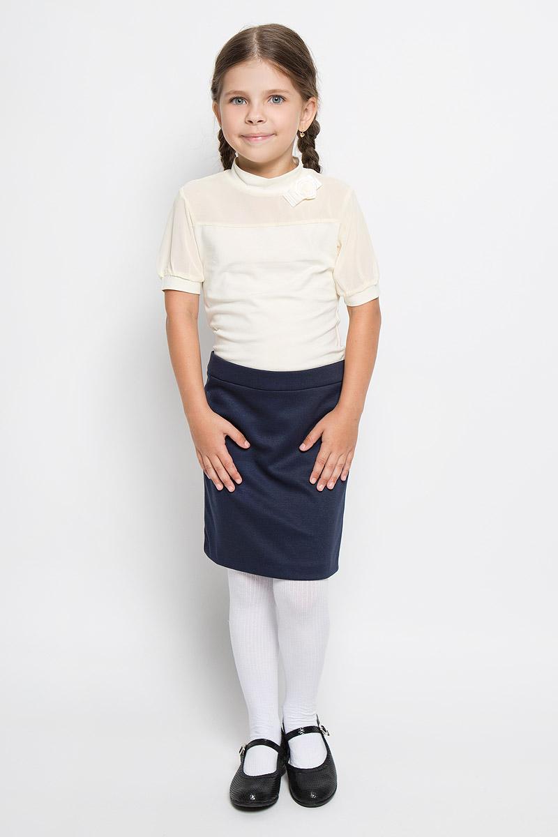 CJR26001A-1/CJR26001B-1Стильная блузка для девочки Nota Bene, выполненная из хлопка с добавлением полиэстера и лайкры, станет отличным дополнением к детскому гардеробу. Благодаря составу, изделие тактильно приятное, не сковывает движений, позволяет коже дышать. Блузка с короткими рукавами и воротничком-стойкой. Модель оформлена бантиком с розой, которые изготовлены из атласных ленточек. Рукава и вставка на груди выполнены из легкого полупрозрачного материала. Рукава дополнены узкими трикотажными манжетами. Блузка отлично сочетается с юбками и брюками. В ней вашей принцессе всегда будет уютно и комфортно!