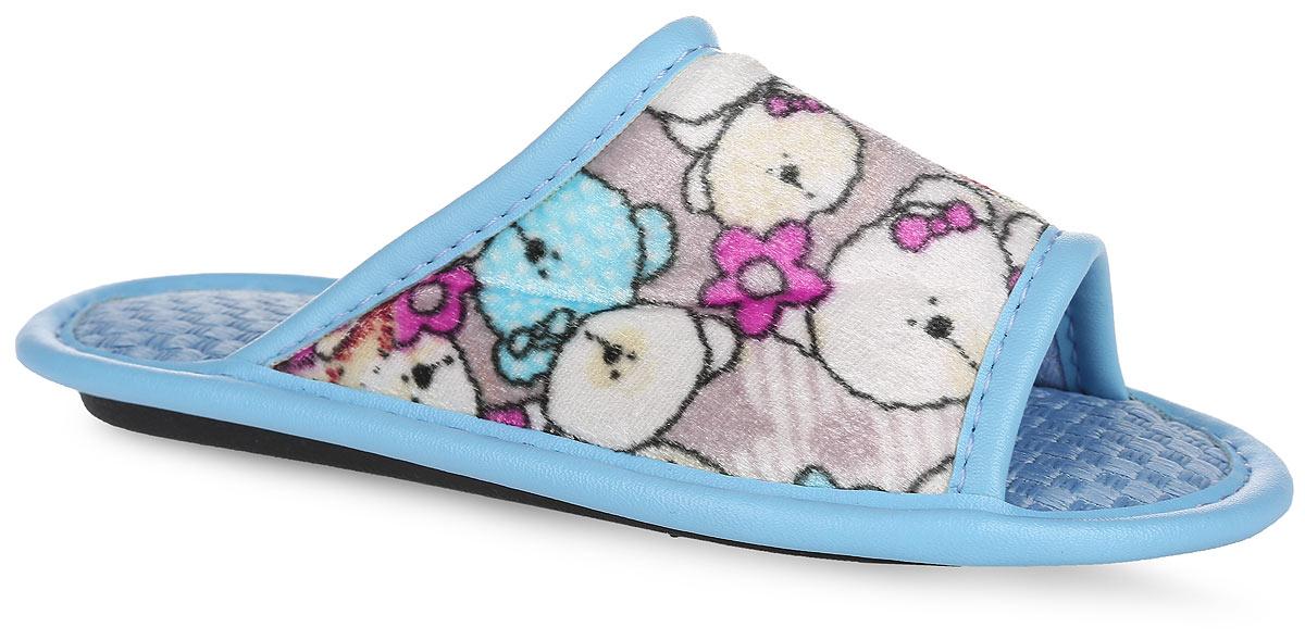 0802-153 ДЛегкие домашние тапки с открытым носком от Bris придутся по душе вашей девочке! Верх модели, выполненный из текстиля, оформлен изображением мишек. Модель дополнена окантовкой из искусственной кожи. Подкладка и стелька из текстиля комфортны при движении. Рифление на подошве обеспечивает идеальное сцепление с любой поверхностью. Чудесные тапки подарят чувство уюта и комфорта.