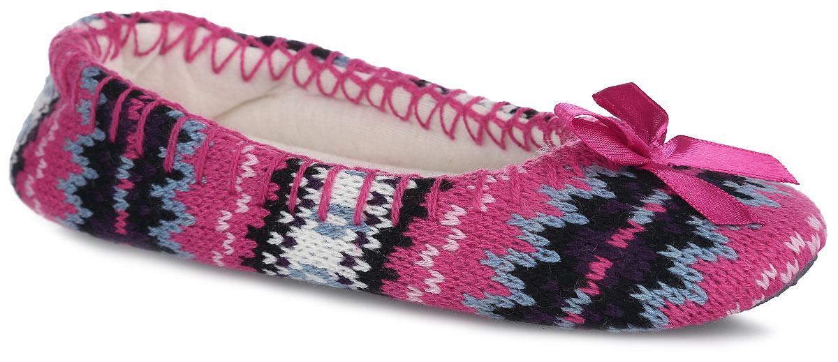 317-16 WBЛегкие и мягкие домашние тапки от Bris придутся по душе вашей девочке! Верх модели выполнен из вязаного текстиля и оформлен вдоль канта декоративным швом. Мыс изделия украшен декоративным бантиком. Мягкая стелька и подкладка из текстиля не дадут ногам вашей девочки замерзнуть. Подошва из текстиля с противоскользящей поверхностью обеспечивает идеальное сцепление с любой поверхностью пола. Чудесные тапки подарят чувство уюта и комфорта.