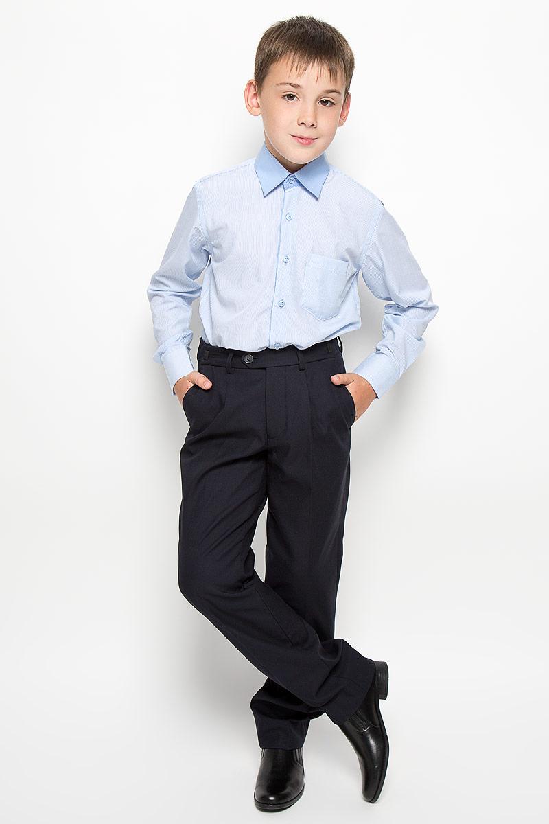 РубашкаCWR16005A-10/CWR16005B-10Стильная рубашка для мальчика Nota Bene с длинными рукавами идеально подойдет вашему ребенку. Изготовленная из хлопка с добавлением модала и полиэстера, она мягкая и приятная на ощупь, не сковывает движения и позволяет коже дышать, не раздражает даже самую нежную и чувствительную кожу ребенка, обеспечивая ему наибольший комфорт. Рубашка классического кроя с отложным воротничком застегивается на пуговицы по всей длине. Рукава имеют широкие манжеты, также застегивающиеся на пуговицы. Низ изделия слегка закруглен. Модель дополнена небольшим накладным нагрудным карманом. Изделие оформлено принтом в тонкую полоску. Оригинальный современный дизайн и модная расцветка делают эту рубашку стильным предметом детского гардероба. Ее можно носить как с джинсами, так и с классическими брюками.