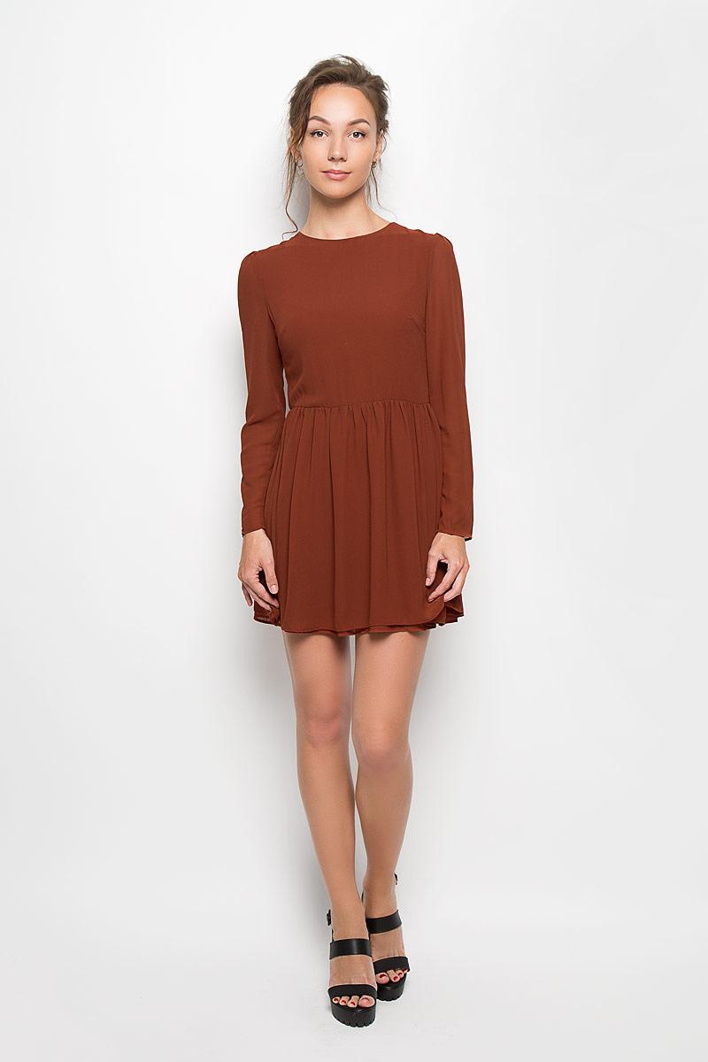 Платье. CK2061CK2061 BlackЭлегантное и невероятно легкое платье Glamorous, выполненное из полупрозрачного материала, преподносит все достоинства женской фигуры в наиболее выгодном свете. Модель с круглым вырезом горловины и длинными рукавами на спинке застегивается на скрытую застежку-молнию и дополнительно на пуговицу. Втачные рукава чуть присборены в верхней части канта. Благодаря свойствам используемого материала изделие практически не сминается. Это стильное платье станет отличным дополнением к вашему гардеробу!