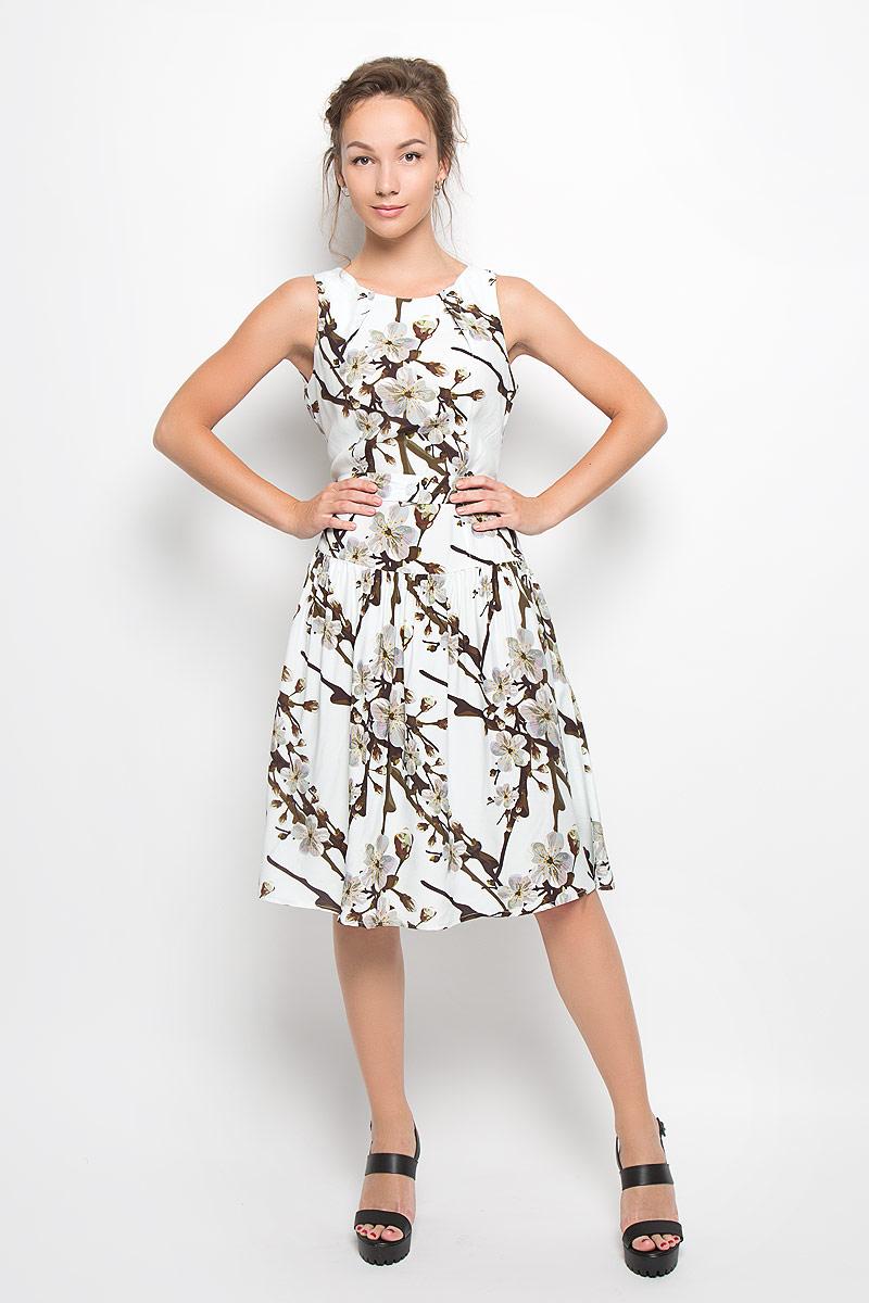 ПлатьеY1522-0276Элегантное платье Yarmina выполнено из 100% вискозы. Такое платье обеспечит вам комфорт и удобство при носке и непременно вызовет восхищение у окружающих. Модель-миди на широких бретельках, не регулирующихся по длине, выгодно подчеркнет все достоинства вашей фигуры. Изделие застегивается на скрытую застежку-молнию на спинке, оформлено крупным цветочным принтом. В комплект входит съемный текстильный пояс, застегивающийся на пуговицу. Изысканное платье-миди создаст обворожительный и неповторимый образ. Это модное и удобное платье станет превосходным дополнением к вашему гардеробу, оно подарит вам удобство и поможет подчеркнуть ваш вкус и неповторимый стиль.