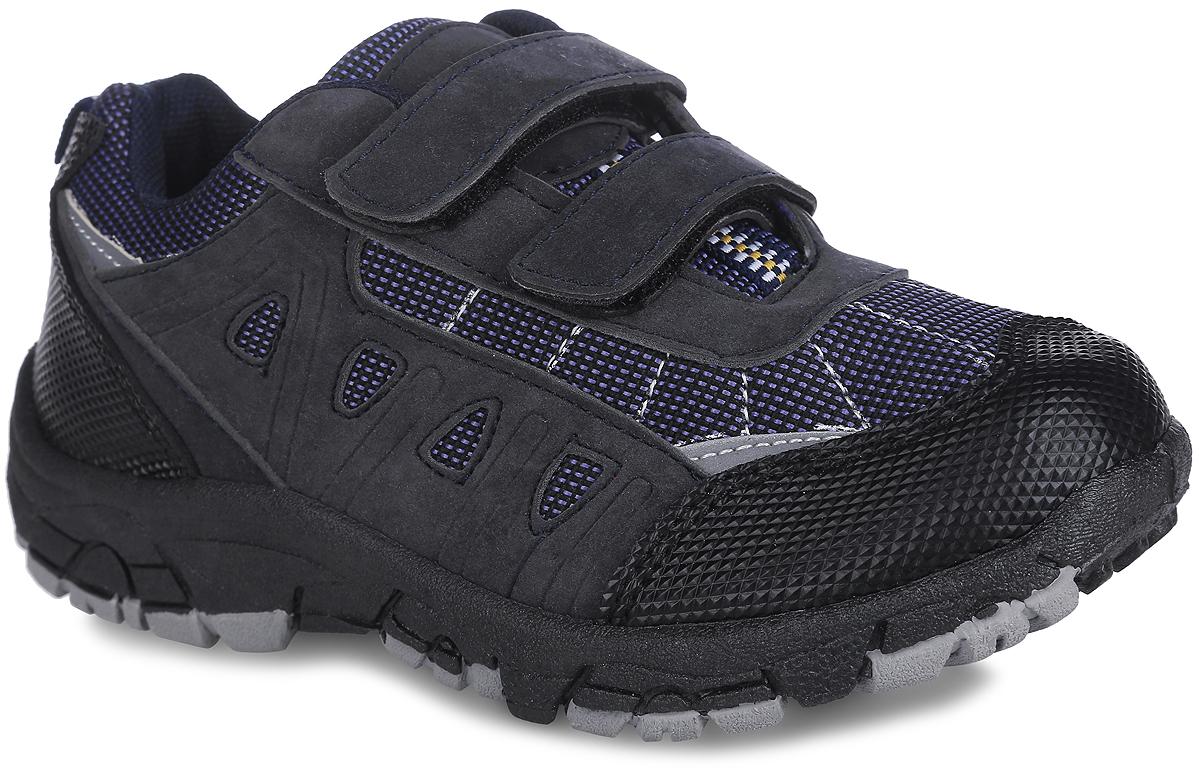30-4 LСМодные кроссовки от Bris придутся по душе вашему мальчику. Модель, выполненная из текстиля и искусственной кожи, оформлена контрастной прострочкой, на язычке - нашивкой с надписью Sport и декоративной тесьмой. Ремешки с застежками-липучками обеспечат надежную фиксацию модели на ноге. Внутренняя поверхность из текстиля не натирает. Стелька из ЭВА материала с текстильной поверхностью гарантирует комфорт при движении. Подошва с рифлением обеспечивает идеальное сцепление с любой поверхностью. Оригинальные кроссовки - незаменимая вещь в гардеробе каждого мальчика!