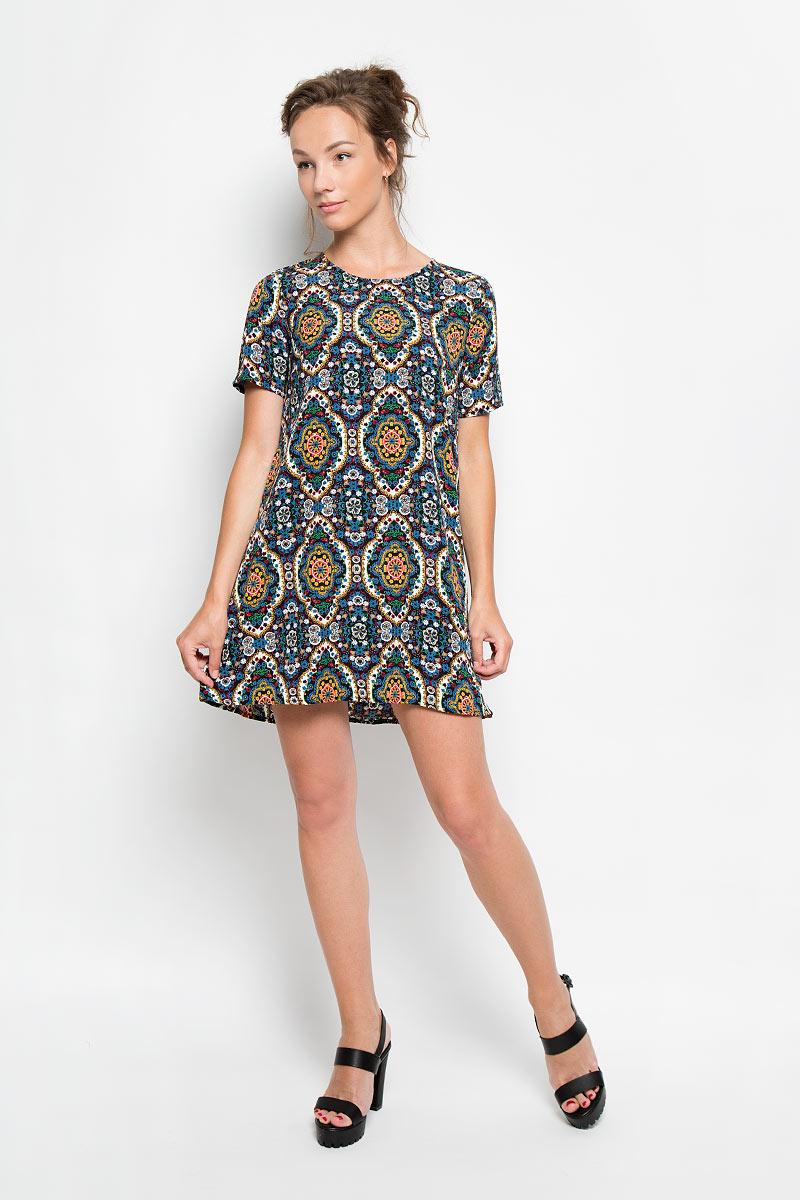 Платье. KA3076KA3076_Blk Mustard Blue FolkРомантичное платье Glamorous, выполненное из высококачественной вискозы, преподносит все достоинства женской фигуры в наиболее выгодном свете. Модель свободного кроя с круглым вырезом горловины и короткими рукавами оформлена ярким принтом. Это стильное платье станет отличным дополнением к вашему гардеробу!