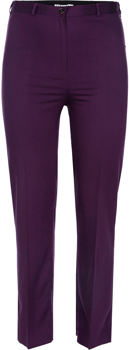 Брюки женские. 910612910612Стильные женские брюки Yarmina, выполненные из материала высочайшего качества, отлично подойдут на каждый день. Модель стандартной посадки и прямого кроя застегивается на ширинку на застежке-молнии, а также пуговицу на поясе. По спинке пояс дополнен резинкой. Эти модные и в то же время комфортные брюки послужат отличным дополнением к вашему гардеробу. В них вы всегда будете чувствовать себя уютно и уверенно.