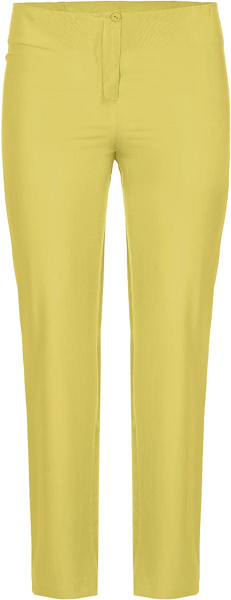 Брюки женские. B901B9016-0839Стильные женские брюки Yarmina, выполненные из материала высочайшего качества, отлично подойдут на каждый день. Модель стандартной посадки и прямого кроя застегивается на ширинку на застежке-молнии, а также пуговицу по поясу. Эти модные и в тоже время комфортные брюки послужат отличным дополнением к вашему гардеробу. В них вы всегда будете чувствовать себя уютно и уверенно.