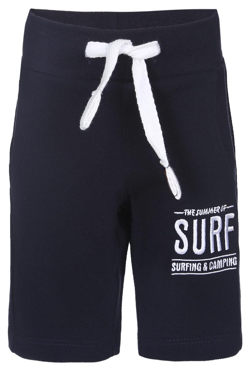 Шорты для мальчика Surf. 10В0011030010В00110300Удобные шорты для мальчика Modniy Juk Surf идеально подойдут вашему маленькому моднику. Изготовленные из хлопка и полиэстера, они не сковывают движения, обладают высокой износостойкостью, отводят влагу от тела и позволяют коже дышать, обеспечивая наибольший комфорт. Шорты полуприлегающего силуэта имеют широкую эластичную резинку на поясе, которая надежно фиксирует изделие и не сдавливает животик малыша. Объем талии регулируется при помощи шнурка-кулиски. Спереди модель дополнена двумя втачными карманами со скошенными краями. Шорты оформлены вышивкой с надписью The Summer of Surf Surfing & Camping на брючине. Практичные и стильные шорты идеально подойдут вашему малышу, а модная расцветка и высококачественный материал позволят ему комфортно чувствовать себя в течение дня и всегда оставаться в центре внимания!