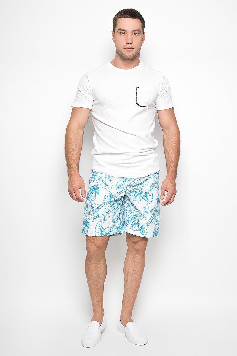 Шорты для плавания мужские. MayarMayarМужские шорты для плавания MeZaGuZ изготовлены из 100% полиэстера. Материал изделия приятный на ощупь, имеет высокую износостойкость, быстро сохнет. Сетчатая несъемная вставка в виде трусов-слипов обеспечивает необходимую циркуляцию воздуха. Модель дополнена широкой эластичной резинкой на талии. Объем пояса регулируется при помощи шнурка-кулиски. Шорты имеют два втачных кармана спереди и один небольшой накладной карман на липучке сзади. Модель оформлена принтом в виде разнообразных листьев. Эти модные шорты послужат отличным дополнением к вашему гардеробу. В них вы всегда будете чувствовать себя уверенно и комфортно.