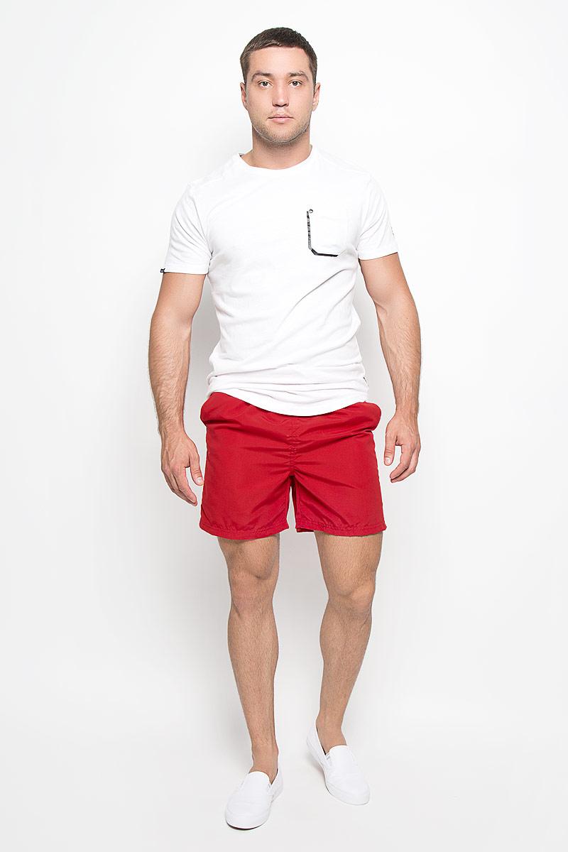 Шорты для плавания мужские. MonacoMonacoМужские шорты для плавания MeZaGuZ изготовлены из 100% полиэстера. Материал изделия приятный на ощупь, имеет высокую износостойкость, быстро сохнет. Сетчатая несъемная вставка в виде трусов-слипов обеспечивает необходимую циркуляцию воздуха. Модель дополнена широкой эластичной резинкой на талии. Объем пояса регулируется при помощи шнурка-кулиски. Шорты имеют два втачных кармана спереди и один небольшой накладной карман на липучке сзади. Внутри расположен небольшой пришивной карман. В боковых швах обработаны разрезы. Эти модные шорты послужат отличным дополнением к вашему гардеробу. В них вы всегда будете чувствовать себя уверенно и комфортно.