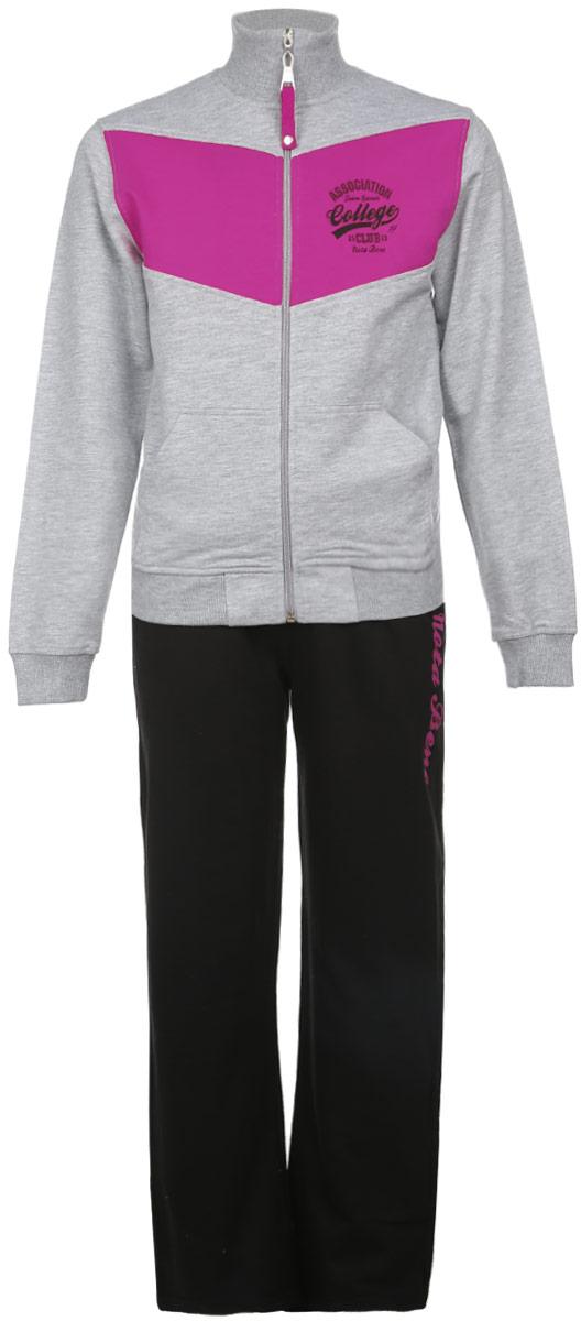 Спортивный костюмAW15GS284B-82Спортивный костюм для девочки Nota Bene, состоящий из толстовки и брюк, идеально подойдет вашей маленькой моднице и станет отличным дополнением к детскому гардеробу. Изготовленный из натурального хлопка, он необычайно мягкий и приятный на ощупь, не сковывает движения ребенка и позволяет коже дышать, не раздражает даже самую нежную и чувствительную кожу, обеспечивая наибольший комфорт. Лицевая сторона гладкая, а изнаночная - с небольшими петельками. Толстовка с длинными рукавами и воротником-стойкой застегивается на пластиковую застежку-молнию с удобным бегунком. Спереди толстовка дополнена двумя накладными карманами. Понизу модель дополнена широкой трикотажной резинкой, а на рукавах имеются широкие трикотажные манжеты, мягко обхватывающие запястья. Толстовка на груди оформлена контрастной вставкой и украшена небольшим принтом в виде надписей на английском языке. Спортивные брюки прямого кроя на поясе имеют широкую эластичную резинку, регулируемую шнурком- ...