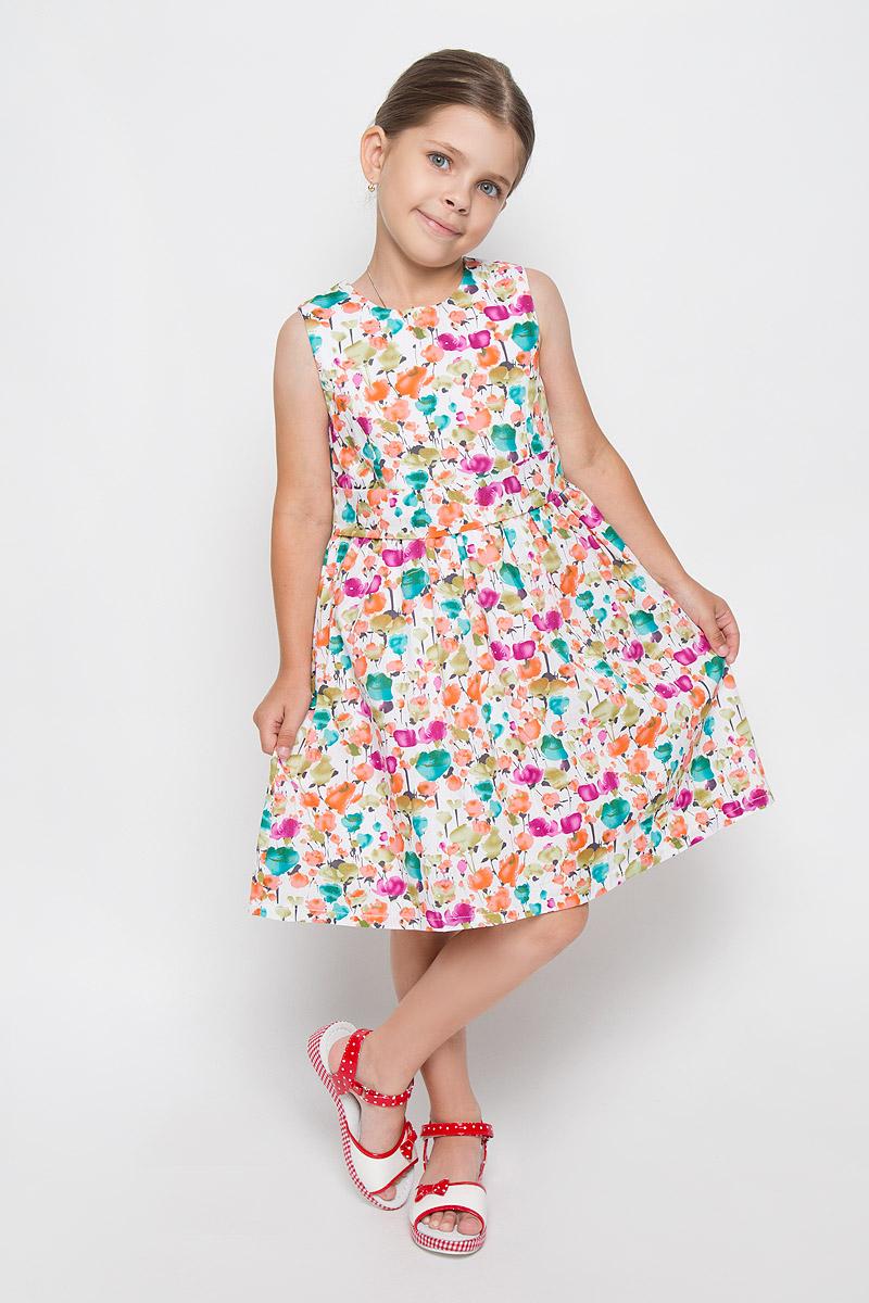 ПлатьеSSP1617-1Очаровательное платье для девочки M&D идеально подойдет вашей маленькой моднице. Платье на подкладке изготовлено из натурального хлопка, легкое, приятное к телу, не сковывает движения и позволяет коже дышать. Платье с круглым вырезом горловины застегивается по спинке на скрытую молнию, что помогает при переодевании ребенка. От линии талии заложены складочки, придающие изделию пышность и воздушность. На талии платье дополнено вшитым поясом. Изделие оформлено красочным принтом. В таком платье ваша маленькая принцесса будет чувствовать себя комфортно, уютно и всегда будет в центре внимания!