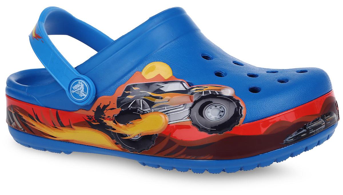 Сабо для мальчика Crocband Monster Truck. 202663-4GL202663-4GLМодные сабо Crocband Monster Truck от Crocs придутся по душе вашему мальчику. Модель выполнена из полимера Croslite. Благодаря материалу Croslite обувь невероятно легкая, мягкая и удобная. Материал Croslite - бактериостатичен, препятствует появлению неприятных запахов и легок в уходе: быстро сохнет и не оставляет следов на любых поверхностях. Модель оформлена изображением героя мультфильма Monster Truck. Верх модели оформлен отверстиями, которые можно использовать для украшения джибитсами. Под воздействием температуры тела обувь принимает форму стопы. Рельефная поверхность верхней части подошвы комфортна при движении. Рифленое основание подошвы гарантирует идеальное сцепление с любой поверхностью. Пяточный ремешок, оформленный названием бренда, для фиксации стопы при ходьбе. Такие сабо - отличное решение для каждодневного использования!