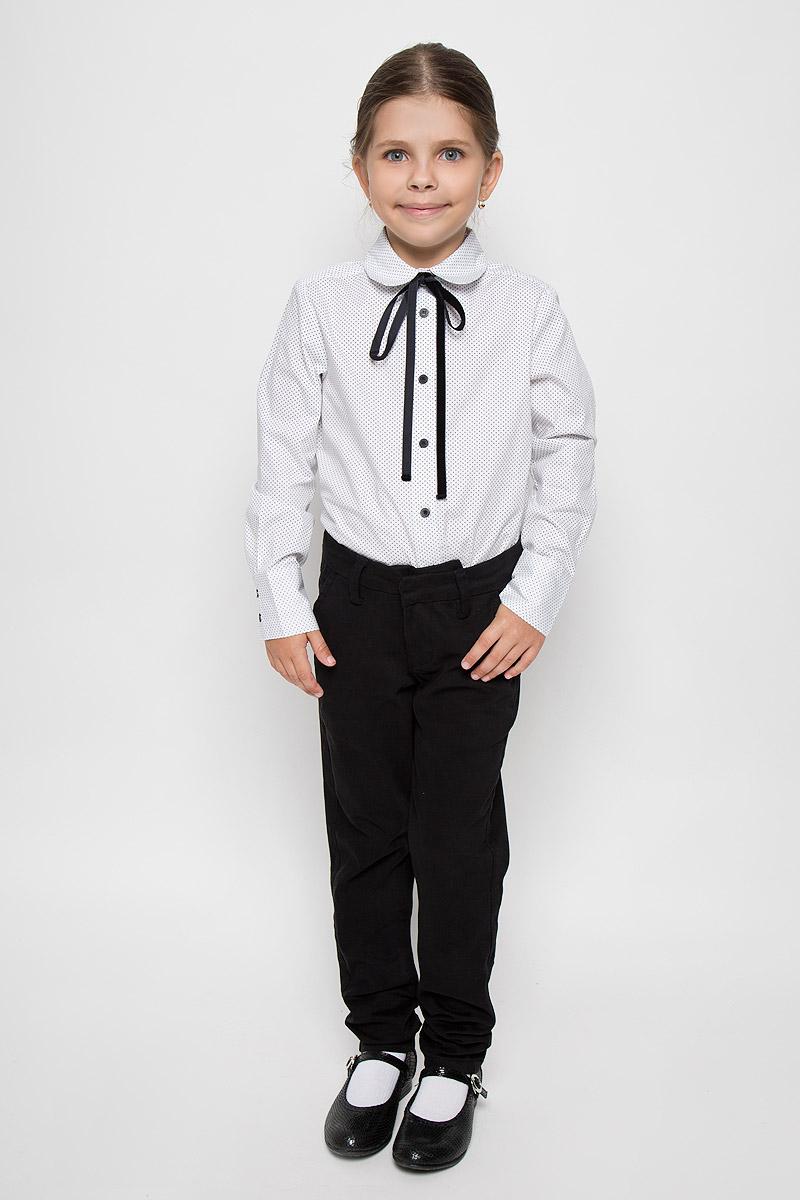 Блузка64155_OLG, вар.1Элегантная блузка для девочки Orby School идеально подойдет для школы. Изготовленная из натурального хлопка, она необычайно мягкая, легкая и приятная на ощупь, не сковывает движения и позволяет коже дышать, не раздражает даже самую нежную и чувствительную кожу ребенка, обеспечивая наибольший комфорт. Блузка с отложным воротником и длинными рукавами застегивается спереди на пуговицы. Низ рукавов дополнен широкими манжетами на пуговицах. Модель оформлена принтом в горох и дополнена узкой лентой. Такая блузка - незаменимая вещь для школьной формы, отлично сочетается с юбками, брюками и сарафанами. Эта модель всегда выглядит великолепно!