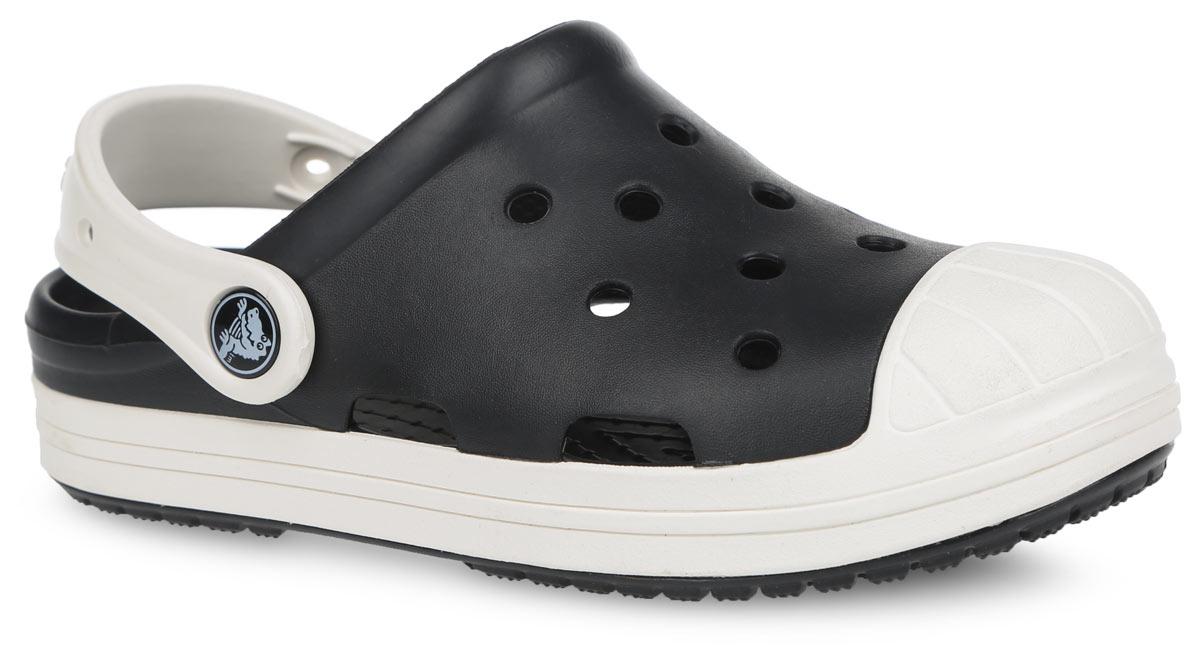 Сабо детские Bump It Clog K. 202282202282-02UСтильные сабо Bump It Clog K от Crocs придутся по душе вашему ребенку. Модель полностью выполнена из полимерного материала контрастных цветов. Перфорация в верхней части обеспечивает вентиляцию ноги. Съемный пяточный ремешок, оформленный названием бренда, предназначен для фиксации стопы при ходьбе. Стелька с массажными линиями для стимуляции кровообращения и дополнительного комфорта. Рифление на подошве гарантирует идеальное сцепление с любой поверхностью. Такие сабо - отличное решение для каждодневного использования!