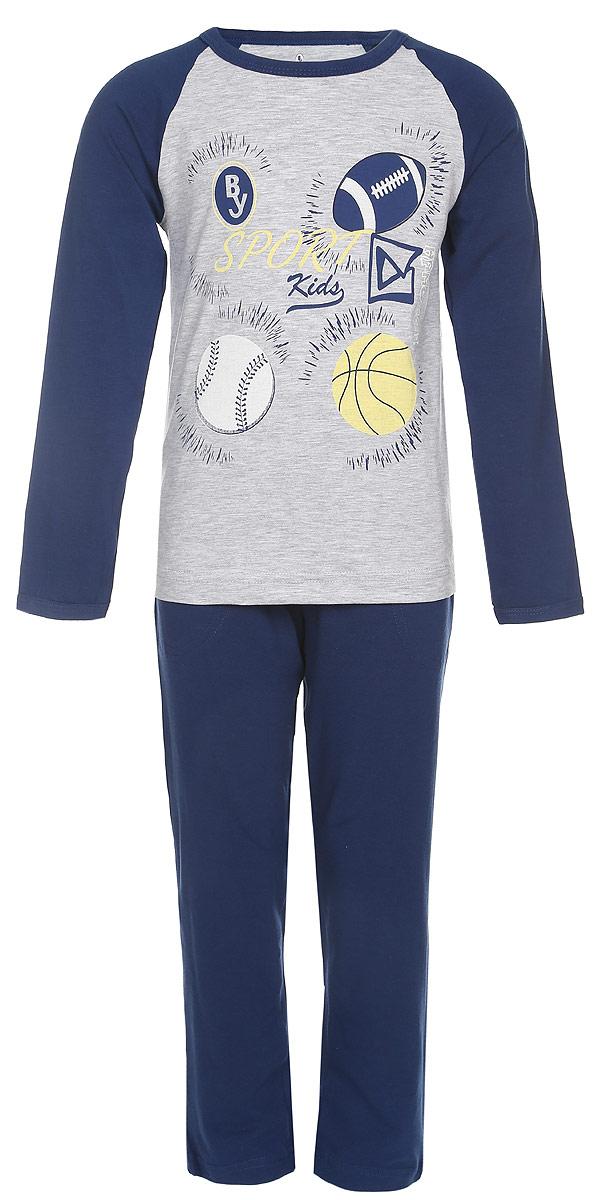 ПижамаN9090220A-22/N9090220-22/N9090220B-22Пижама для мальчика Baykar, выполненная из эластичного хлопка, идеально подойдет ребенку для отдыха и сна. Материал изделия мягкий, тактильно приятный, не сковывает движения, хорошо пропускает воздух. Пижама состоит из футболки с длинным рукавом и брюк. Футболка с длинными рукавами-реглан и круглым вырезом горловины оформлена принтом и надписями на спортивную тематику. Вырез горловины и края рукавов дополнены эластичными бейками. Брюки прямого кроя имеют на талии мягкую резинку, благодаря чему они не сдавливают живот ребенка и не сползают. Спереди модель дополнена двумя втачными карманами. Высокое качество исполнения и дизайн принесут удовольствие от покупки и подарят отличное настроение!