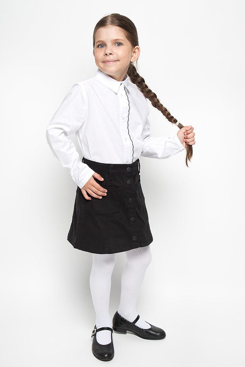 Блузка для девочки School. 64152_OLG64152_OLG, вар.1Элегантная блузка для девочки Orby School идеально подойдет для школы. Изготовленная из хлопка с добавлением полиэстера и эластана, она необычайно мягкая, легкая и приятная на ощупь, не сковывает движения и позволяет коже дышать, не раздражает даже самую нежную и чувствительную кожу ребенка, обеспечивая наибольший комфорт. Блузка с отложным воротником и длинными рукавами застегивается на пуговицы по всей длине. Низ рукавов дополнен узкими манжетами с пуговицами. Вдоль планки расположена узкая оборка с контрастной отстрочкой по краю. Такая блузка - незаменимая вещь для школьной формы, отлично сочетается с юбками, брюками и сарафанами. Эта модель всегда выглядит великолепно!