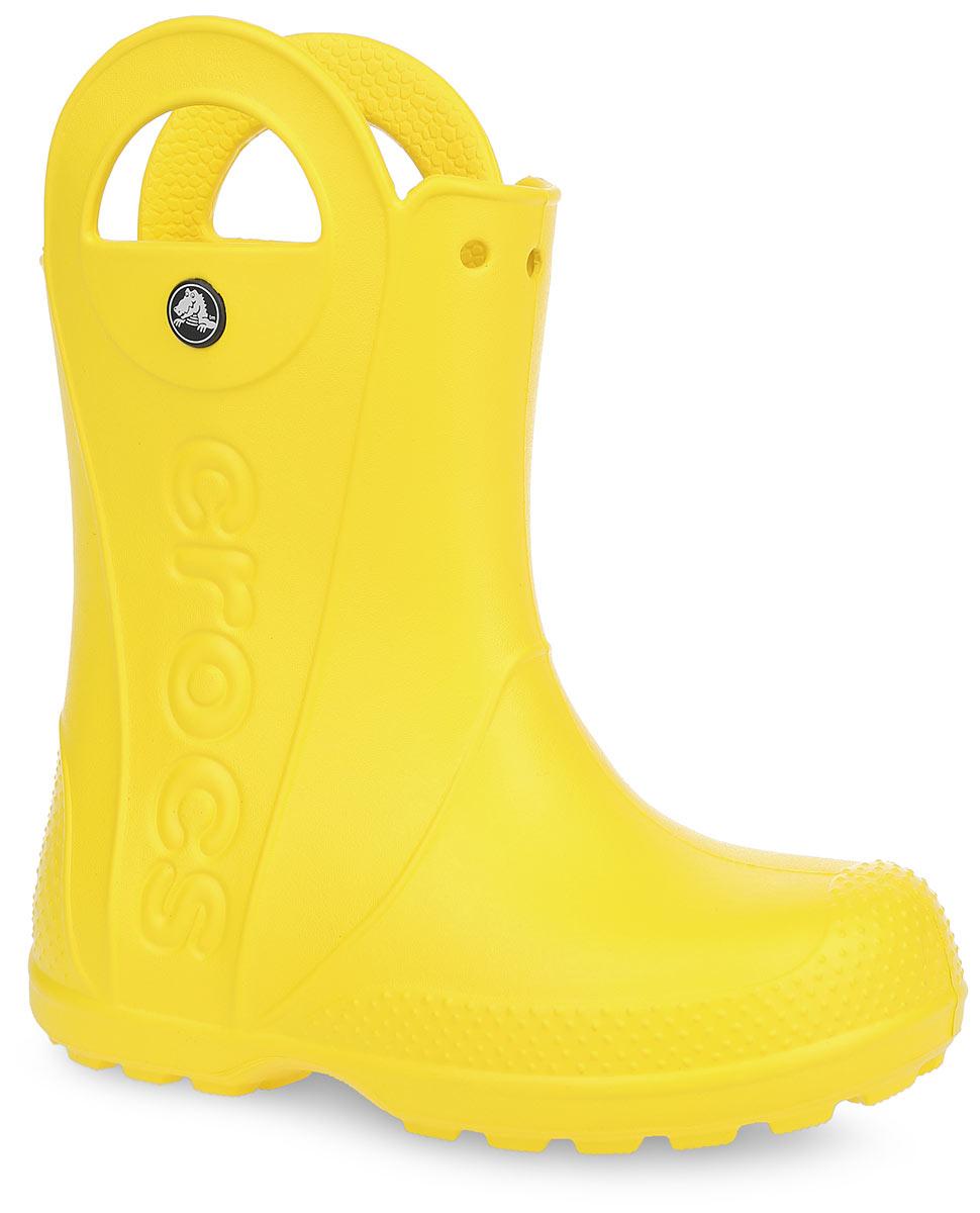 Сапоги резиновые детские Handle It Rain Boot. 1280312803-3E8Яркие резиновые сапоги Handle It Rain Boot от Crocs сохранят ножки вашего ребенка теплыми и сухими. Модель выполнена из полимера Croslite. Благодаря материалу Croslite обувь невероятно легкая, мягкая и удобная. Материал Croslite - бактериостатичен, препятствует появлению неприятных запахов и легок в уходе: быстро сохнет и не оставляет следов на любых поверхностях. Модель оформлена по бокам тисненым названием бренда, на заднике - светоотражающей вставкой с названием бренда, которая увеличит безопасность вашего ребенка в темное время суток. Рифленое основание подошвы гарантирует идеальное сцепление с любой поверхностью. Теперь даже в самую ненастную погоду ваши дети могут продолжать радоваться играм на свежем воздухе.