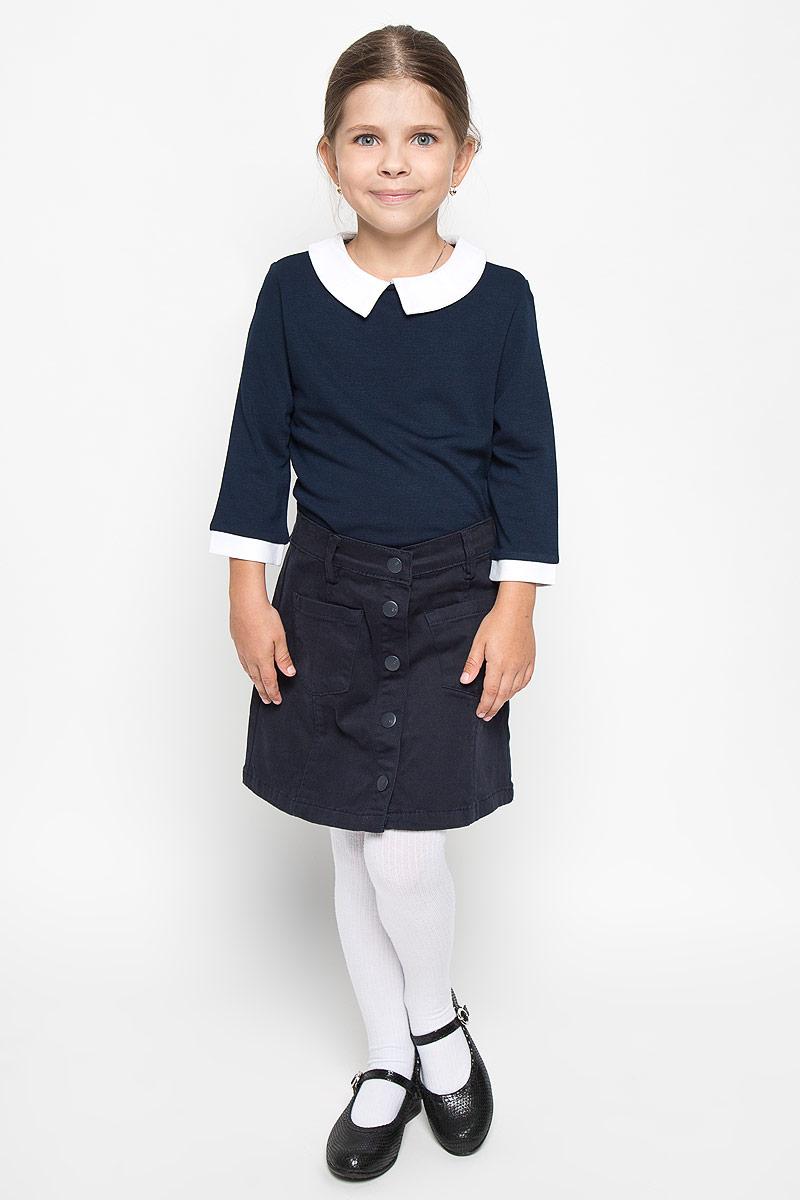 64169_OLG_вариант 1Джемпер для девочки Orby School, выполненный из мягкой эластичной вискозы и полиэстера, станет стильным дополнением к школьному гардеробу. Он отлично сочетается как с юбками, так и с брюками. Материал изделия приятный на ощупь, не сковывает движения и хорошо пропускает воздух. Джемпер с отложным воротником и рукавами 3/4 застегивается сзади на пуговицу. Модель имеет слегка приталенный силуэт. На рукавах предусмотрены контрастные манжеты. Современный дизайн и высокое качество исполнения принесут удовольствие от покупки и подарят отличное настроение!