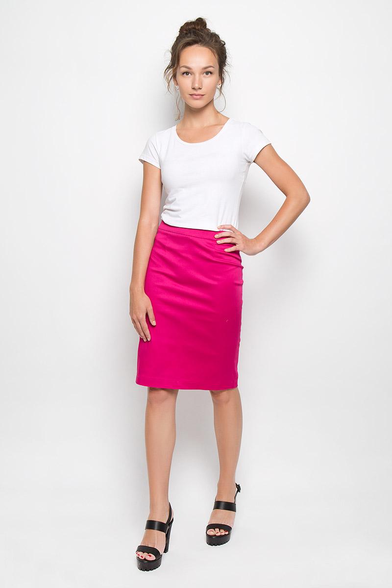 Юбка20416Эффектная юбка Milana Style выполнена из хлопка с добавлением полиамида, она обеспечит вам комфорт и удобство при носке. Такой материал обладает высокой гигроскопичностью, великолепно пропускает воздух и не раздражает кожу. Однотонная юбка-миди сзади застегивается на потайную застежку-молнию. Также сзади юбка дополнена шлицей. Модная юбка выгодно освежит и разнообразит ваш гардероб. Создайте женственный образ и подчеркните свою яркую индивидуальность! Классический фасон и оригинальное оформление этой юбки позволят вам сочетать ее с любыми нарядами.