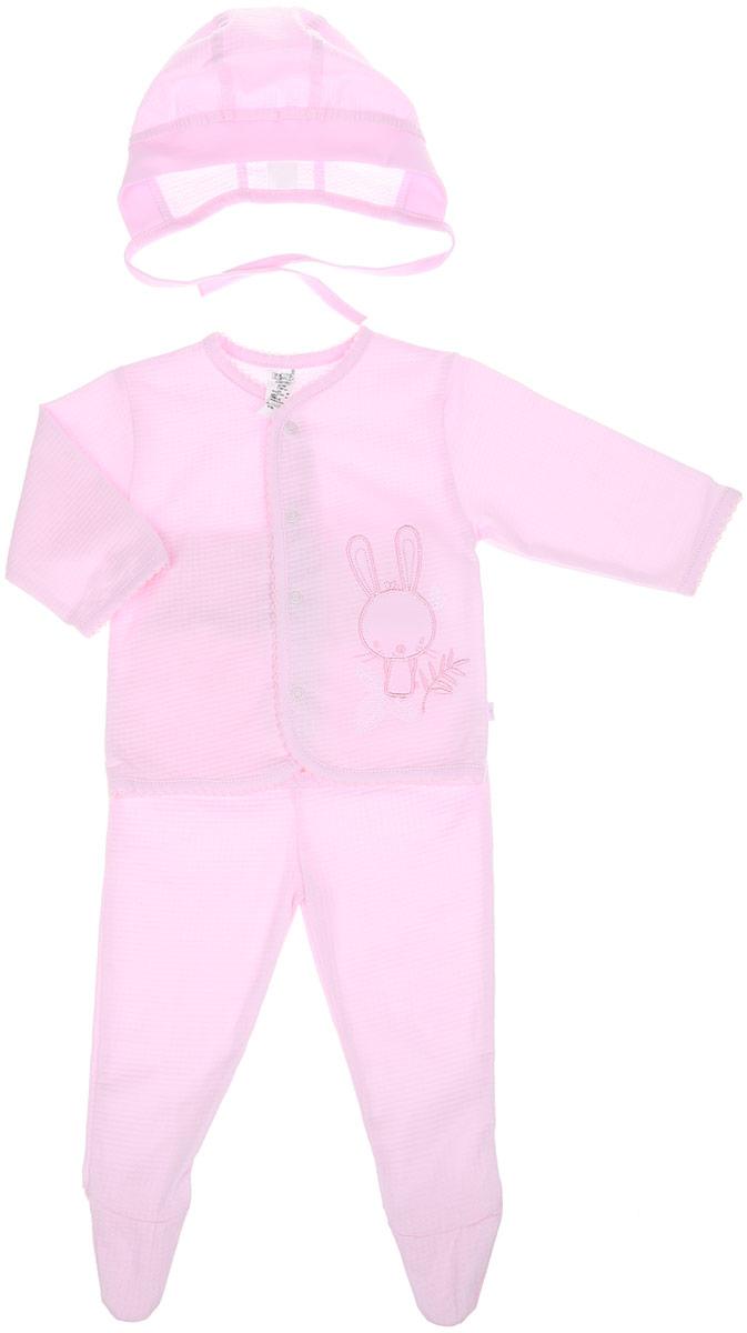 Комплект одеждыKP101-10Детский комплект БЕМБІ - это замечательный подарок, который прекрасно подойдет для первых дней жизни вашего малыша. Комплект состоит из кофточки, ползунков и чепчика. Изготовленный из натурального хлопка, он необычайно мягкий и приятный на ощупь, не сковывает движения малышки и позволяет коже дышать, не раздражает даже самую нежную и чувствительную кожу ребенка, обеспечивая ему наибольший комфорт. Кофточка с длинными рукавами и круглым вырезом горловины спереди застегивается на кнопочки. На груди кофточка оформлена очаровательной аппликацией в виде зайчика. Ползунки с закрытыми ножками благодаря широкому эластичному поясу не сдавливают животик малыша и не сползают, обеспечивая ему наибольший комфорт, идеально подходят для ношения с подгузником и без него. Чепчик защищает еще не заросший родничок, щадит чувствительный слух малыша, прикрывая ушки, и предохраняет от теплопотерь. Модель по краю дополнена эластичной бейкой и завязками, при помощи которых можно регулировать...