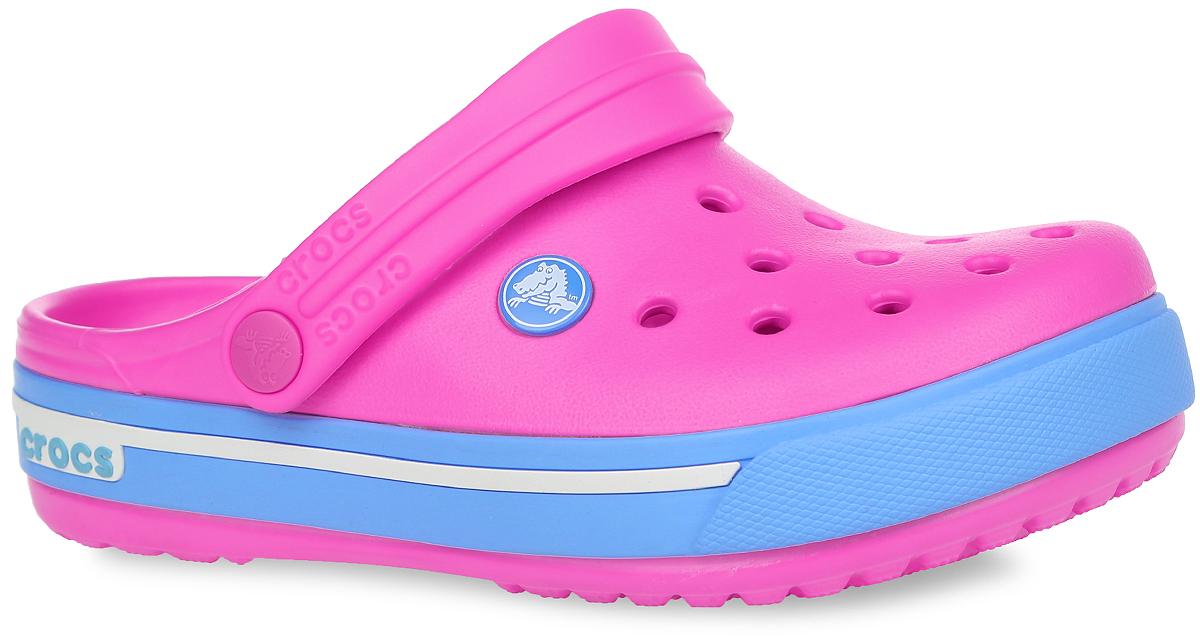 Сабо для девочки Crocband II.5. 12837-6FG12837-6FGМодные сабо Crocband II.5 от Crocs очаруют вашу девочку с первого взгляда! Модель выполнена из полимера Croslite и оформлена по периметру подошвы контрастной вставкой с названием бренда, сбоку - фирменным логотипом. Благодаря материалу Croslite обувь невероятно легкая, мягкая и удобная. Материал Croslite - бактериостатичен, препятствует появлению неприятных запахов и легок в уходе: быстро сохнет и не оставляет следов на любых поверхностях. Верх модели оформлен отверстиями, которые обеспечивают естественную вентиляцию. Отверстия можно использовать для украшения джибитсами. Под воздействием температуры тела обувь принимает форму стопы. Пяточный ремешок, оформленный названием бренда, обеспечивает фиксацию стопы при ходьбе. Рельефная поверхность верхней части подошвы комфортна при движении. Рифленое основание подошвы гарантирует идеальное сцепление с любой поверхностью. Такие сабо - отличное решение для каждодневного использования!