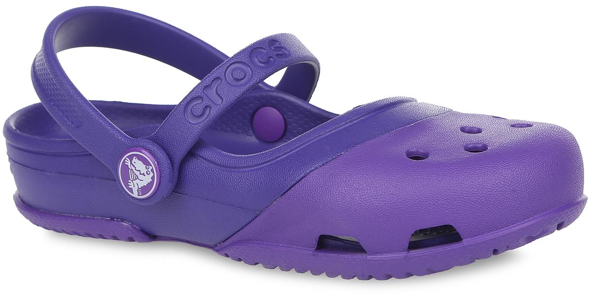 Сабо для девочки Electro II MJ PS. 200694200694-6LIПрелестные сабо Electro II MJ PS от Crocs очаруют вашу девочку с первого взгляда! Модель выполнена из полимера Croslite. Благодаря материалу Croslite обувь невероятно легкая, мягкая и удобная. Материал Croslite - бактериостатичен, препятствует появлению неприятных запахов и легок в уходе: быстро сохнет и не оставляет следов на любых поверхностях. Верх модели и боковые стороны оформлены отверстиями, которые обеспечивают естественную вентиляцию. Верхние отверстия можно использовать для украшения джибитсами. Под воздействием температуры тела обувь принимает форму стопы. Ремешки, один из которых оформлен названием бренда, обеспечивают фиксацию стопы при ходьбе. Рельефная поверхность верхней части подошвы комфортна при движении. Рифленое основание подошвы гарантирует идеальное сцепление с любой поверхностью. Такие сабо - отличное решение для каждодневного использования!
