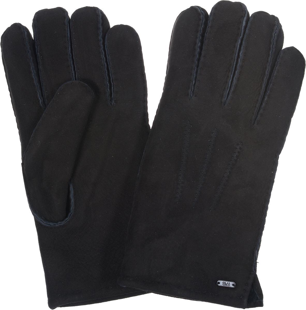 Перчатки25.10-1 blackПотрясающие мужские перчатки торговой марки Fabretti выполнены из чрезвычайно мягкой и приятной на ощупь кожи-велюр, а их подкладка - натуральный мех, будет вас радовать снова и снова. Лицевая сторона оформлена декоративными швами три луча, а края перчаток обработаны наружными ручными швами. Великолепные мужские перчатки Fabretti не только согреют пальчики, но и дополнят ваш образ в качестве эффектного аксессуара.